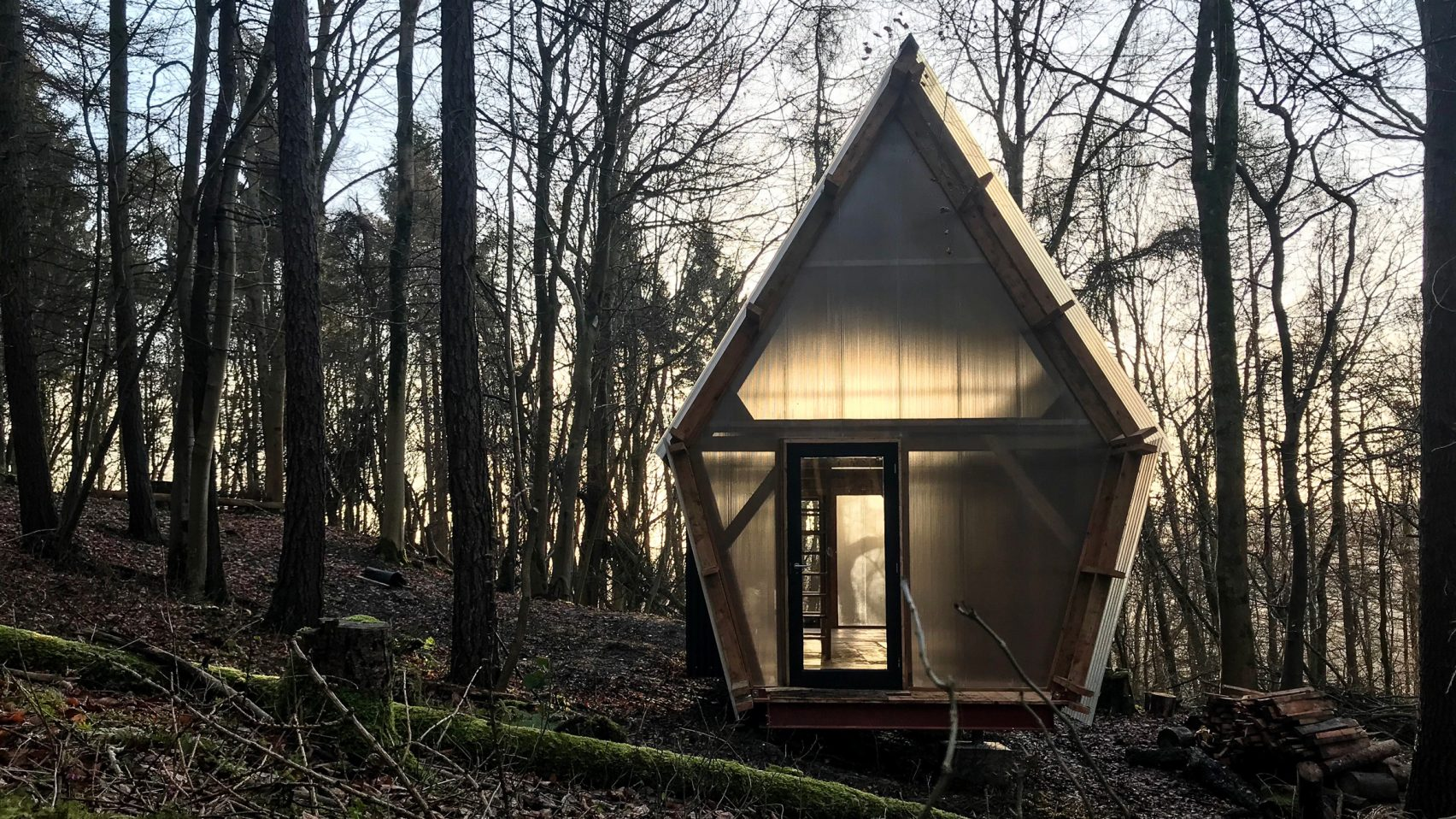 Tiny prefab mobile home was built from salvaged materials