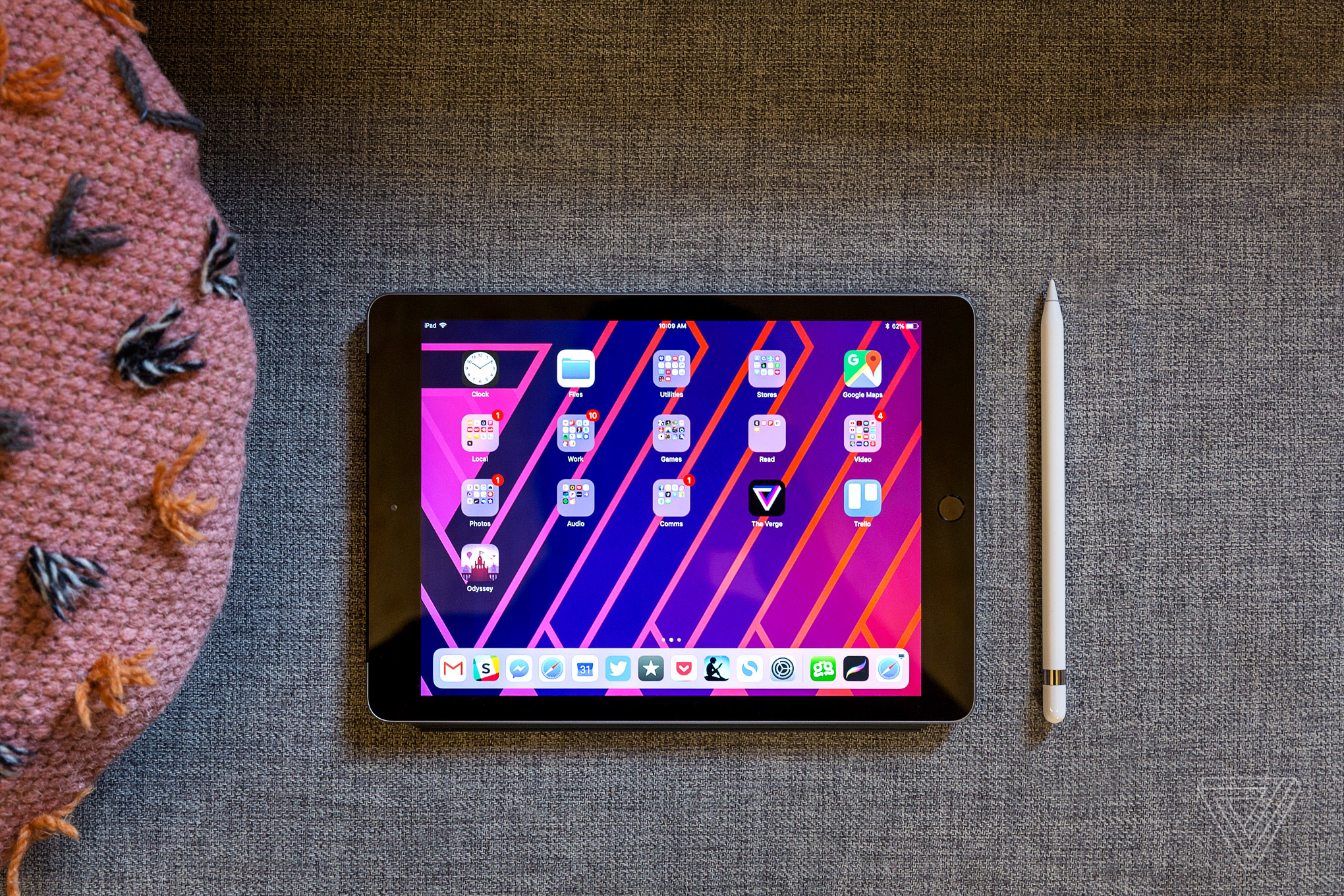 Apple iPad (2018) review  the best tablet under  500 - The Verge 446d691dc9939