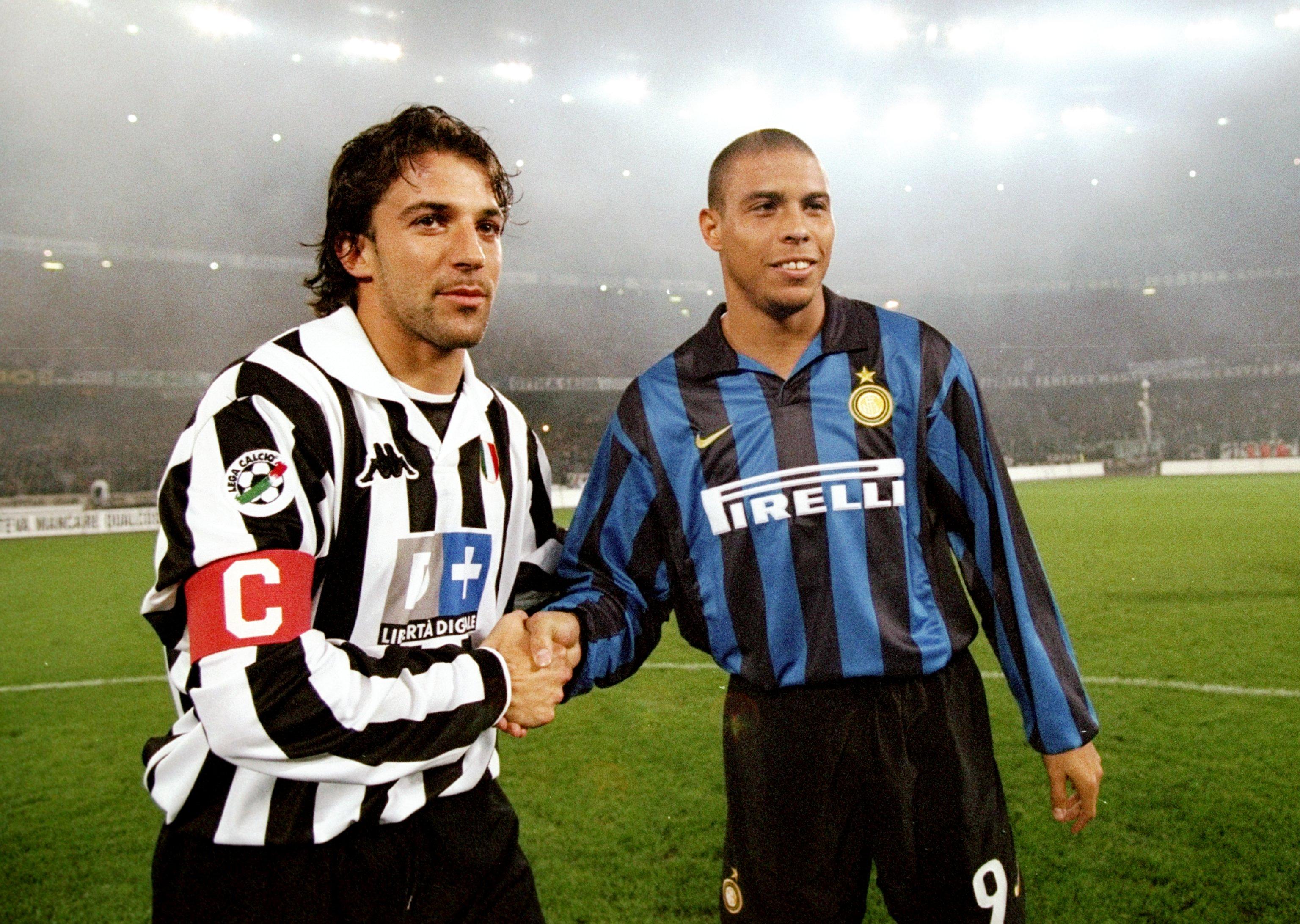 Ronaldo of Inter Milan and Alessandro Del Piero of Juventus