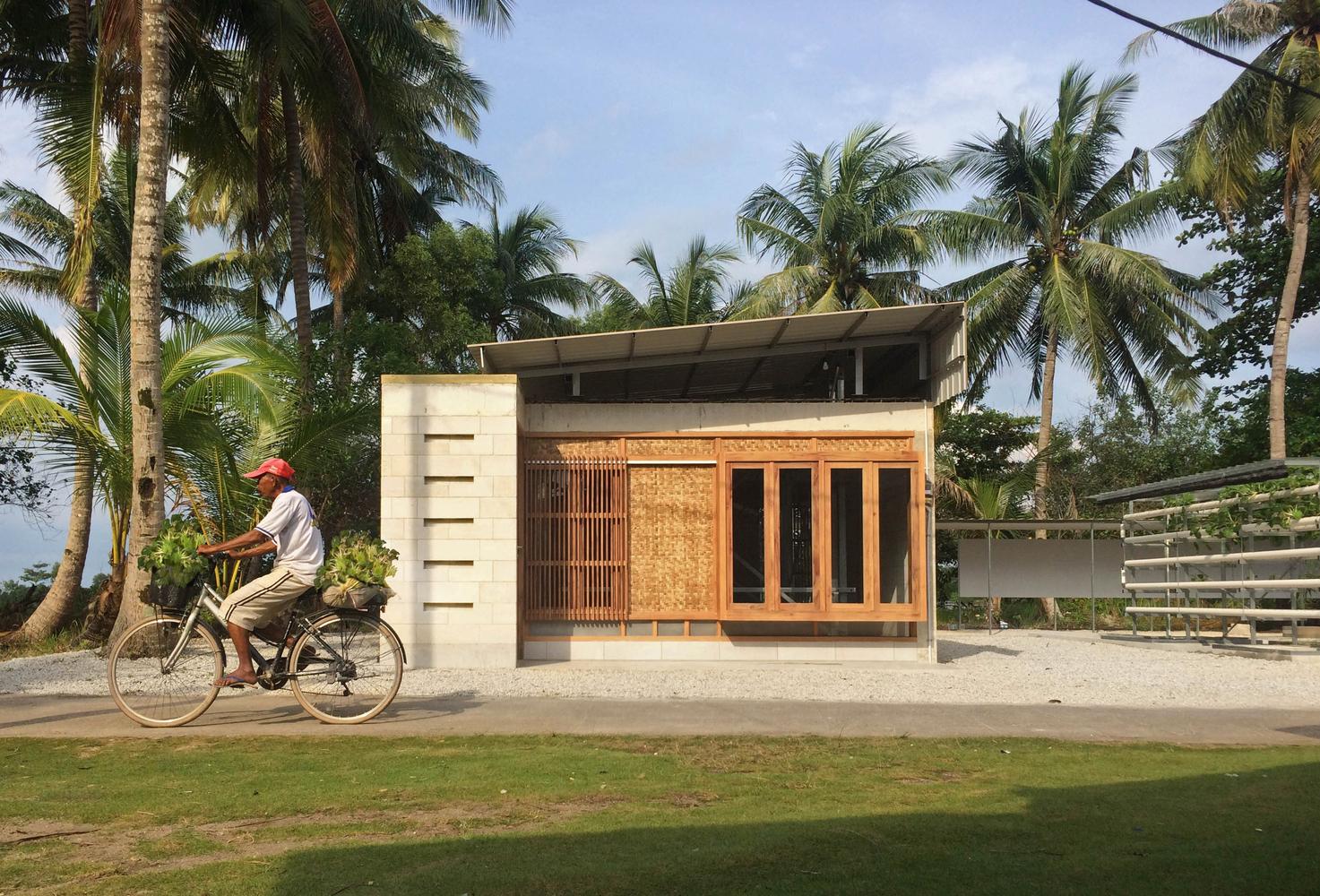 expandable concrete house