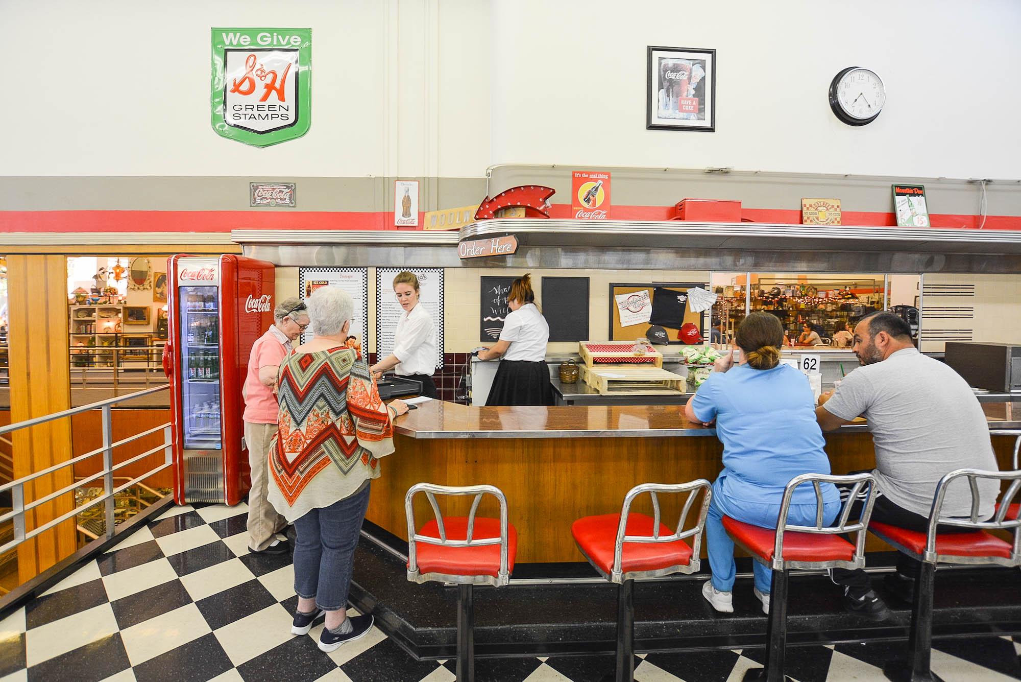 638dd4deebe The Last Woolworth Luncheonette in America Hides in Bakersfield ...