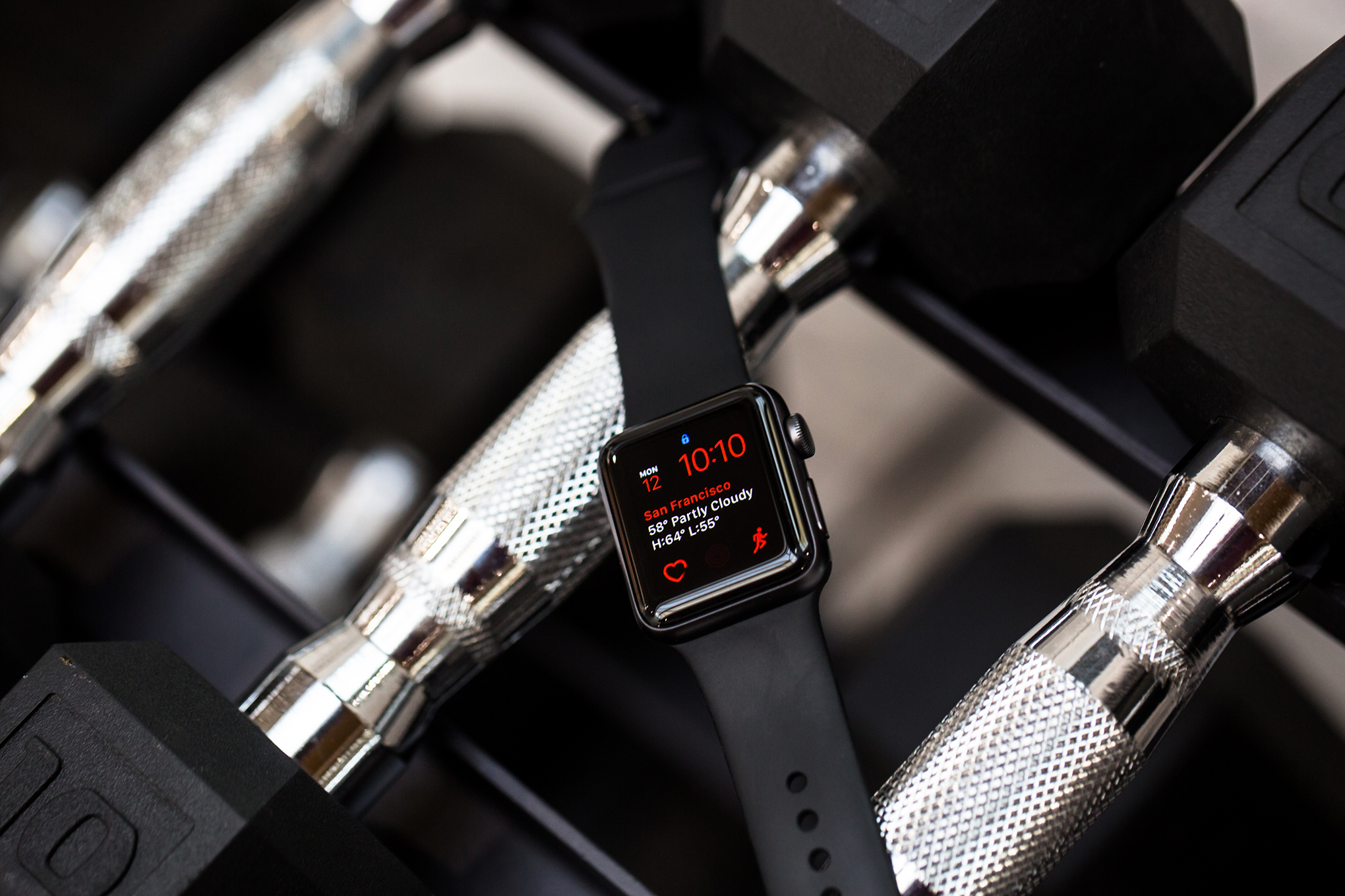 Apple Will Repair Some Watch 2 Models That Have Swollen Baterai Iwatch 38mm Batteries Or Wont Power On For Free The Verge