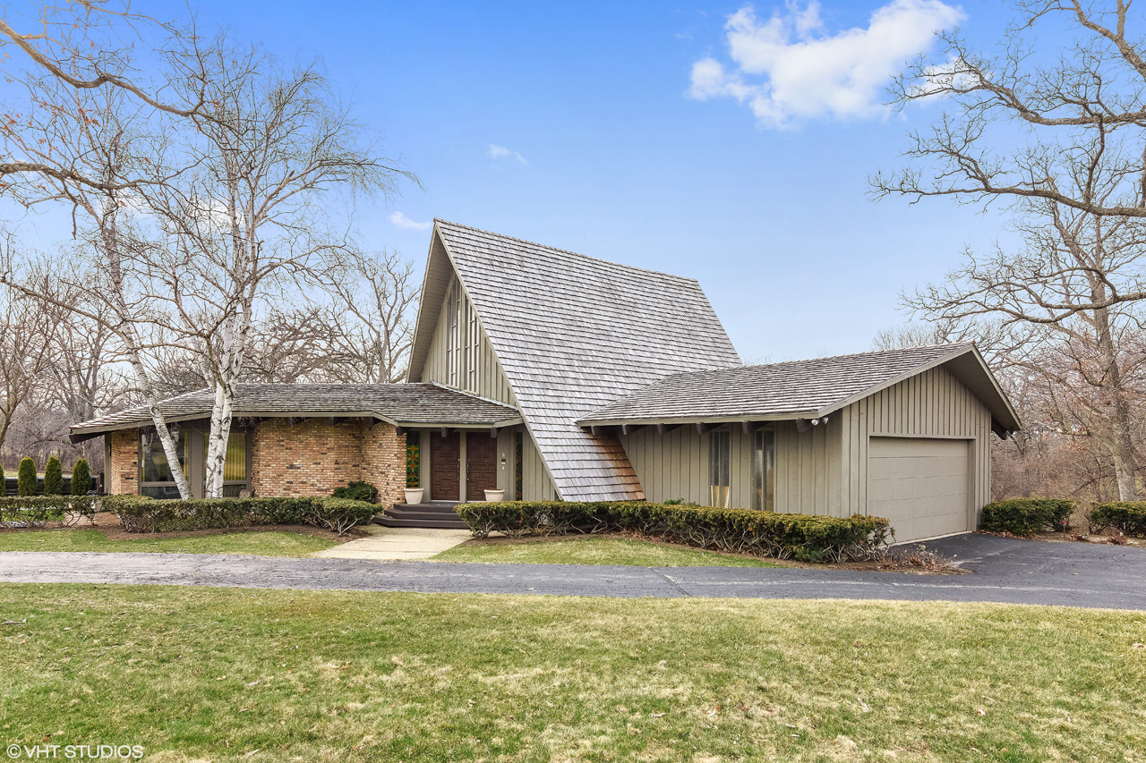 Midcentury modern curbed chicago for New construction ranch style homes in illinois