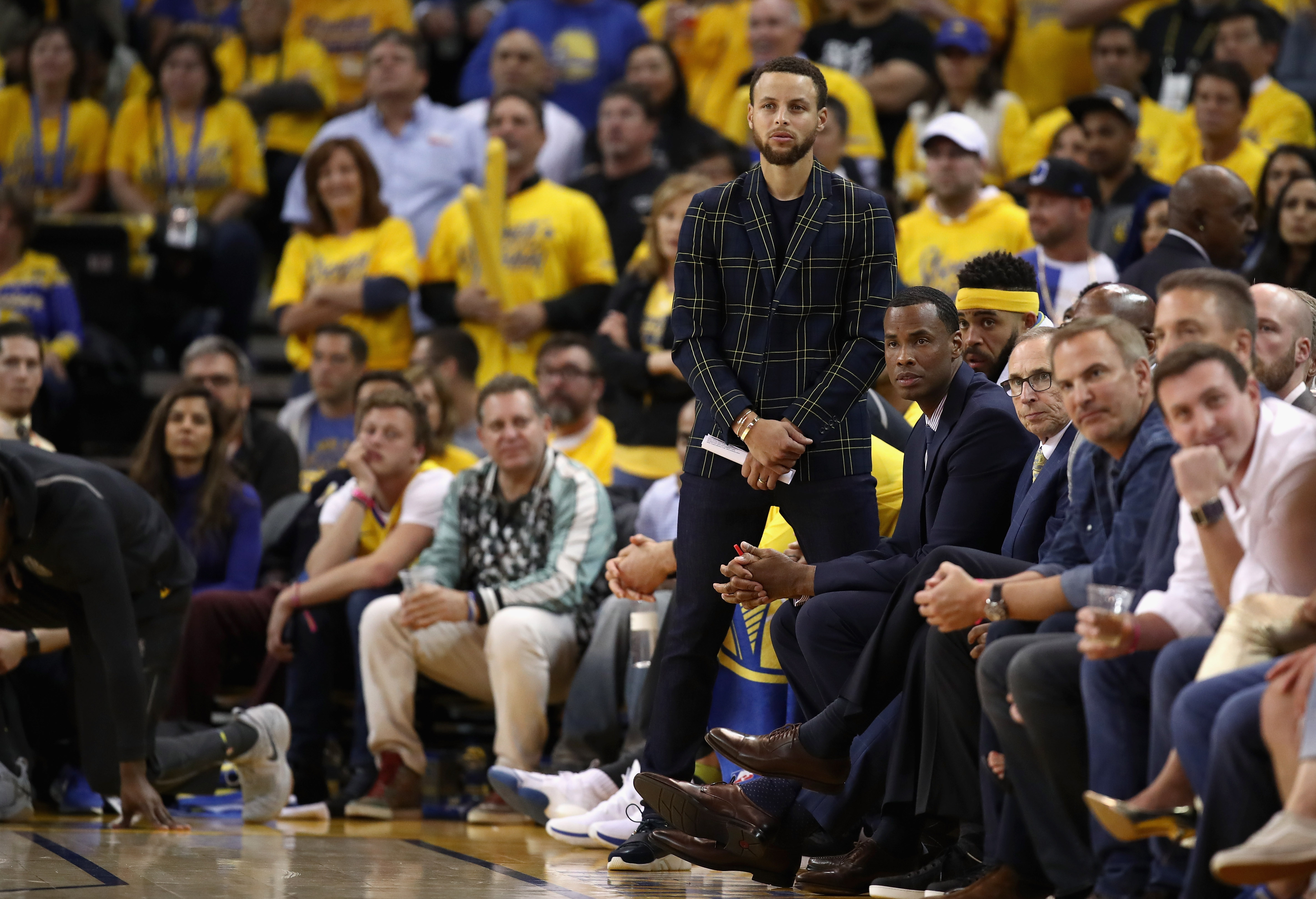 257c21329179 Preview  Warriors airlifting brooms to San Antonio for Game 4 contest