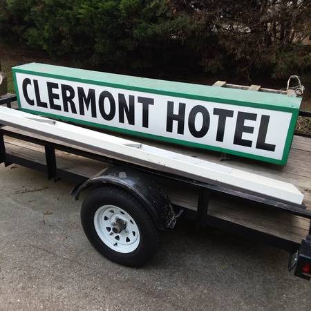A photo of the old Hotel Clermont sign.