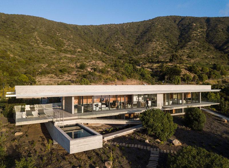 concrete house in Chile
