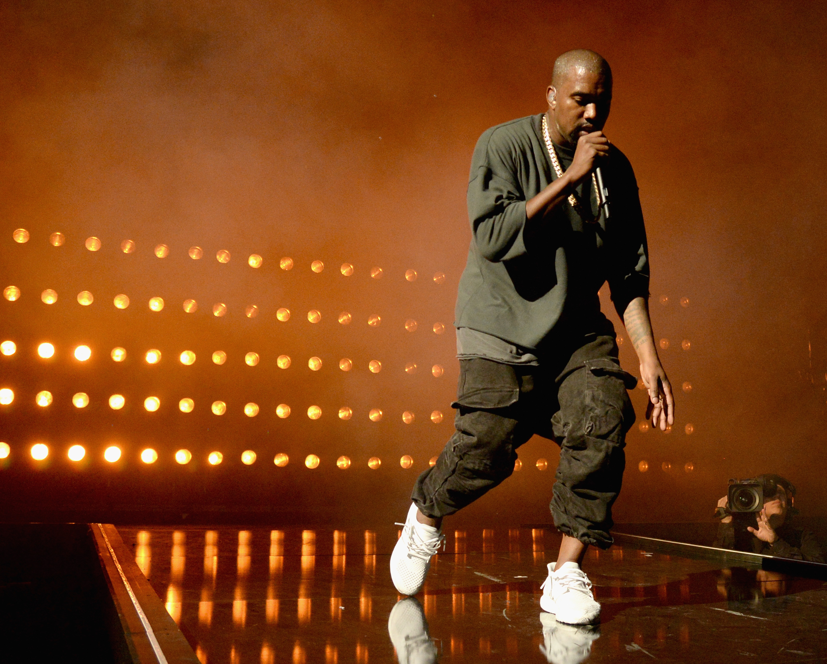 "442c8d5ab45a6 Kanye West faces backlash after saying slavery was a ""choice"" - Vox"