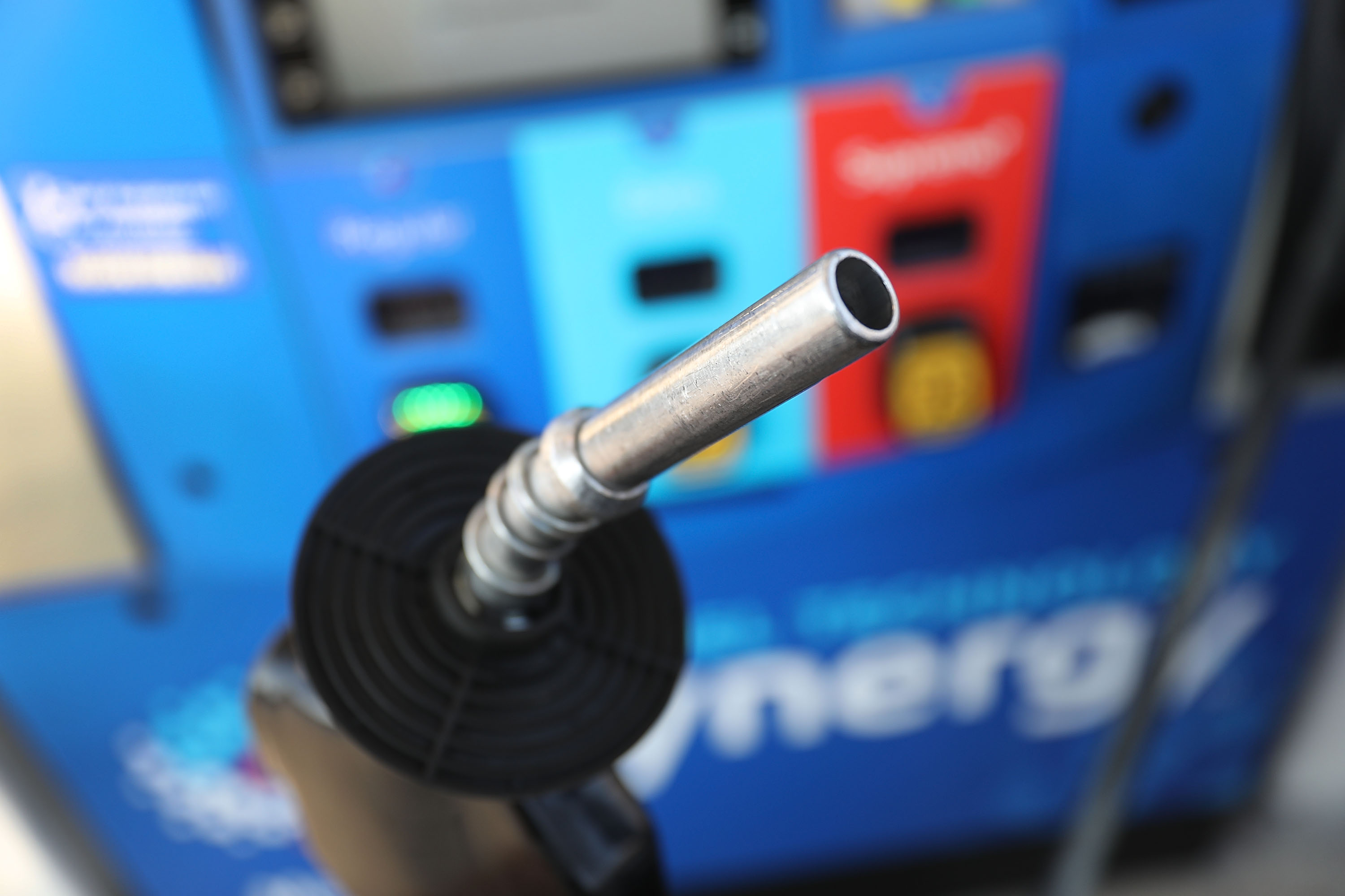 You're going to pay a lot more at the gas station if Trump kills the Iran deal