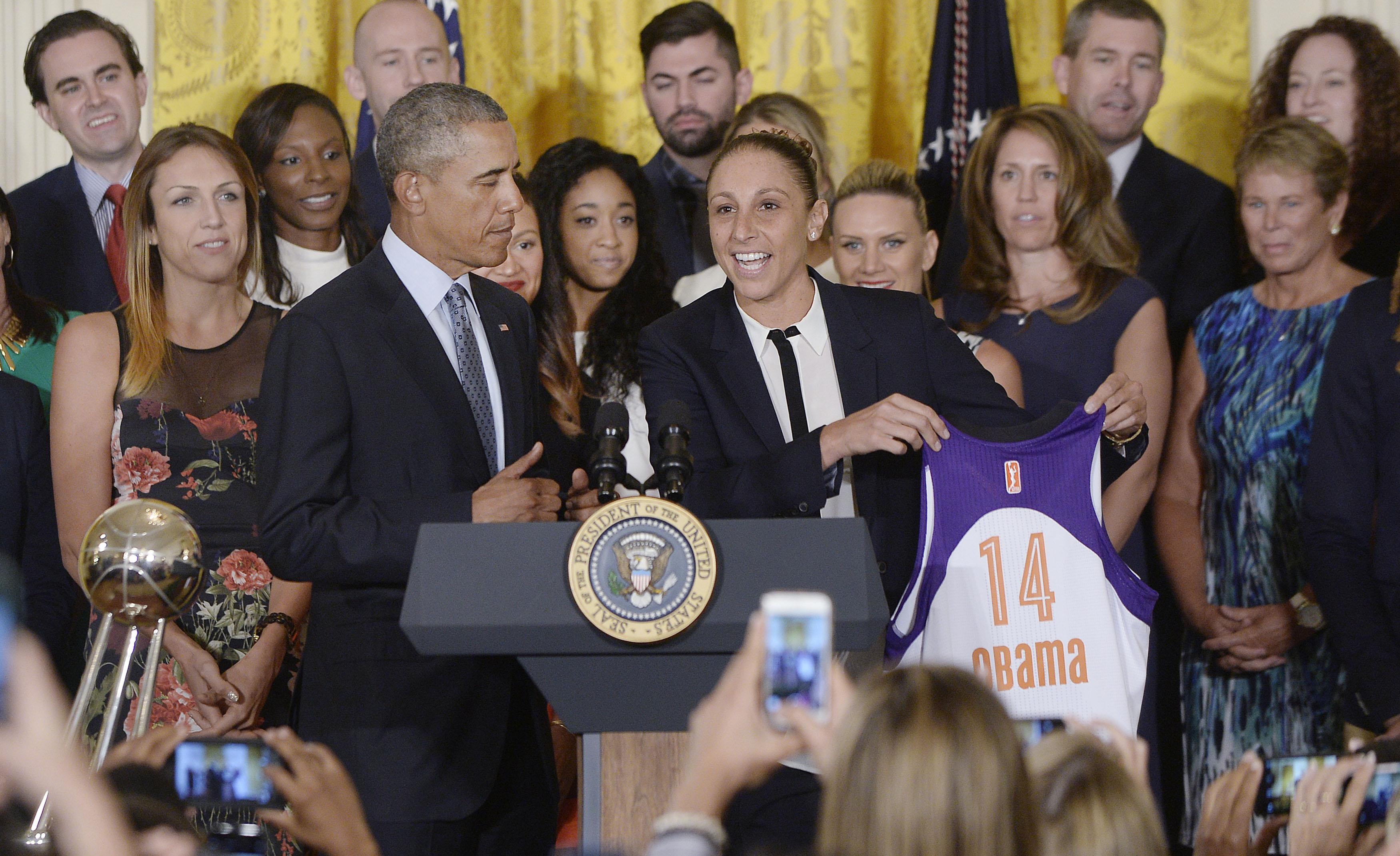 President Obama Hosts WNBA Champion Phoenix Mercury At The White House