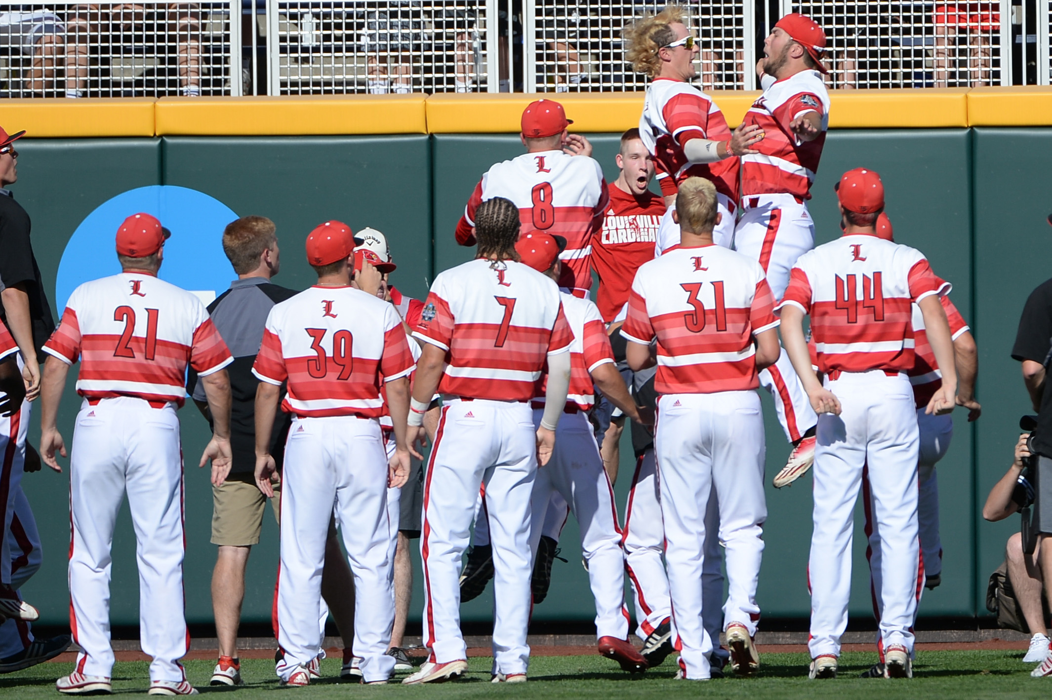 NCAA Baseball: College World Series-Florida vs Louisville
