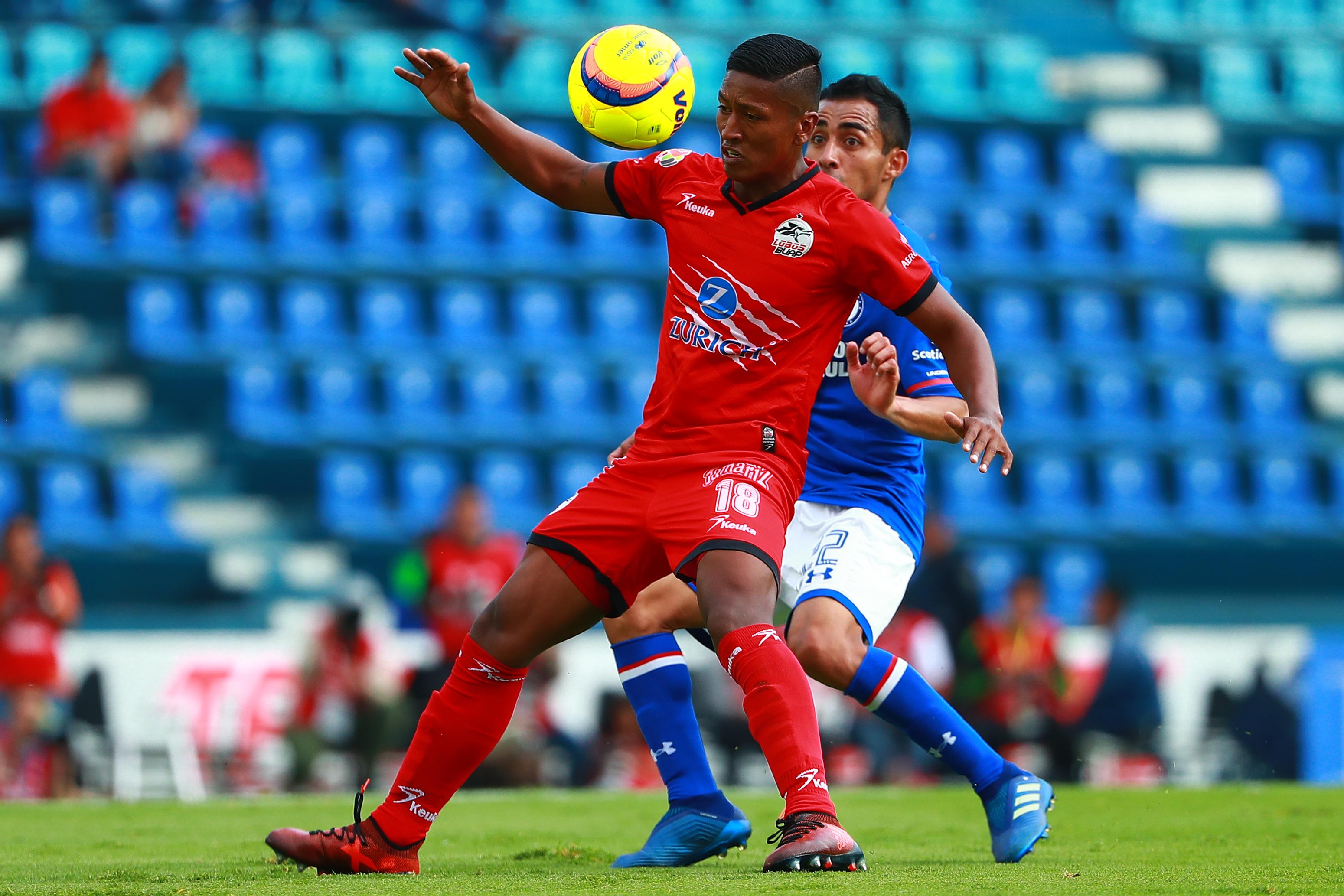 Cruz Azul v Lobos BUAP - Torneo Clausura 2018 Liga MX