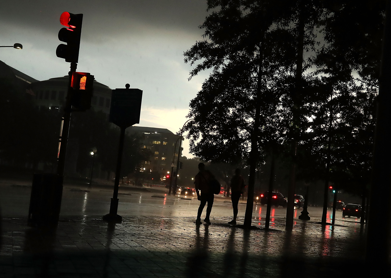 A Severe Thunderstorn Passes Over Washington