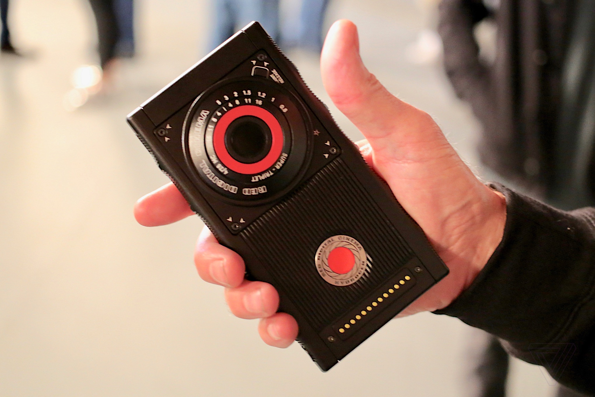 Hands On With The Red Hydrogen One A Wildly Ambitious Smartphone Faulty Circuit Breaker As Seen Via Thermal Imaging Proxima Verge