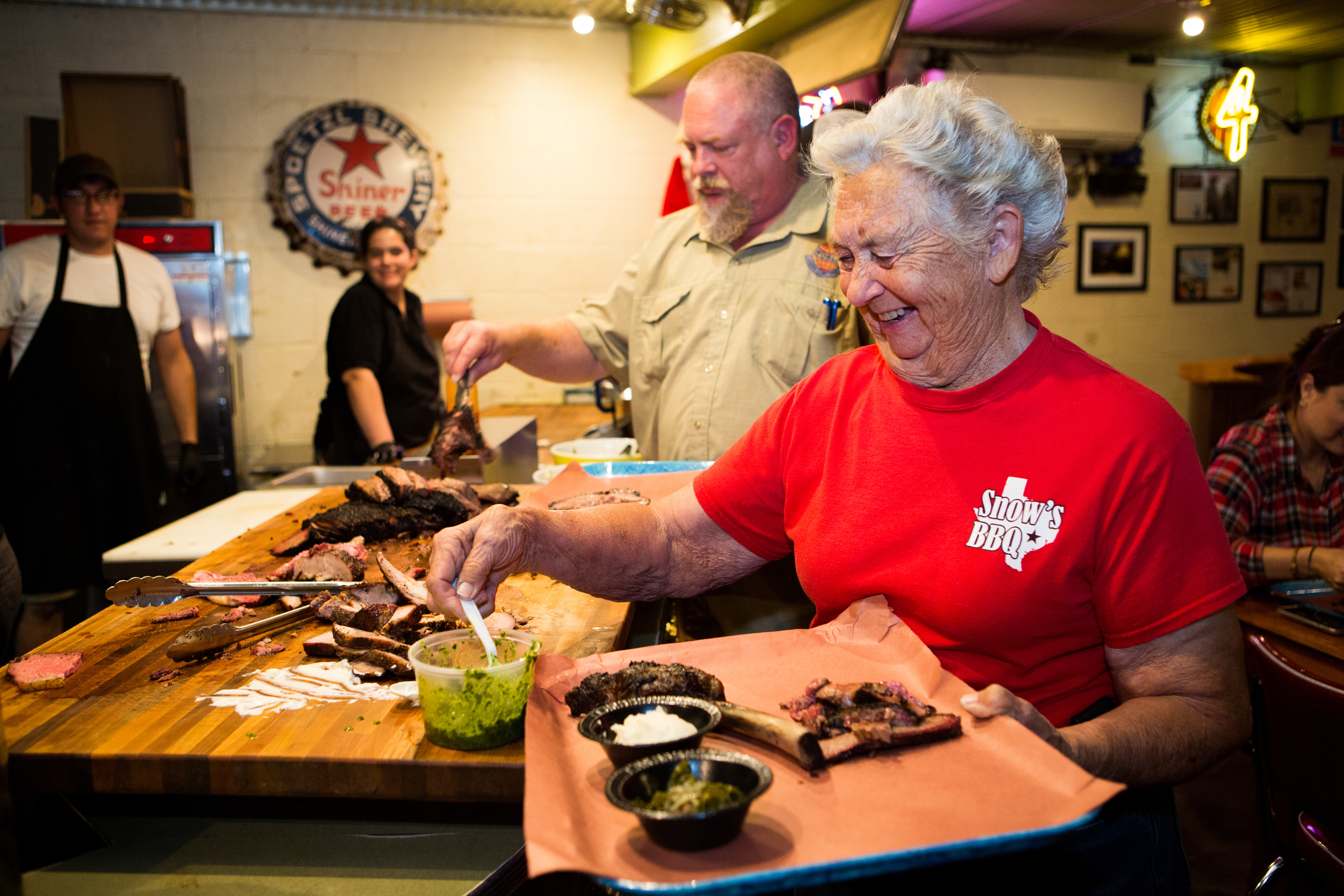 Tootsie Tomanetz serving barbecue at a Texas Monthly event