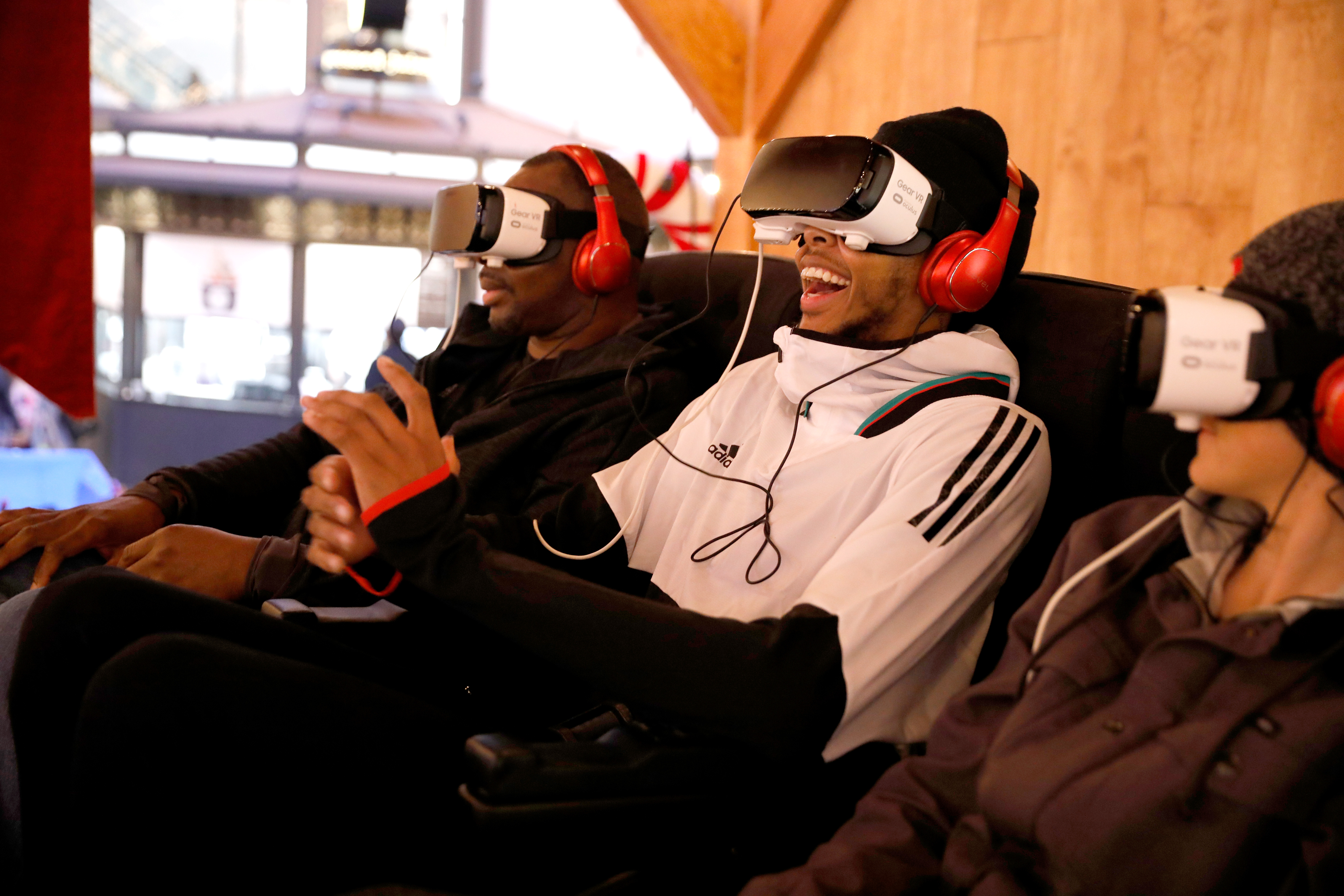 The Night Before, A Samsung VR Experience - The Grove
