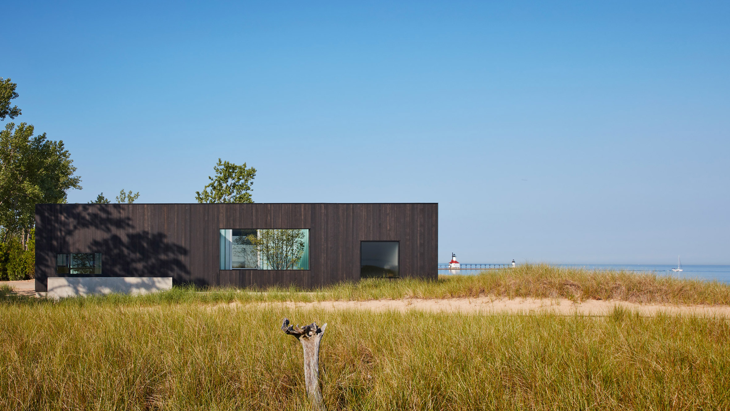 Charred Timber Clads This Gorgeous Lake House