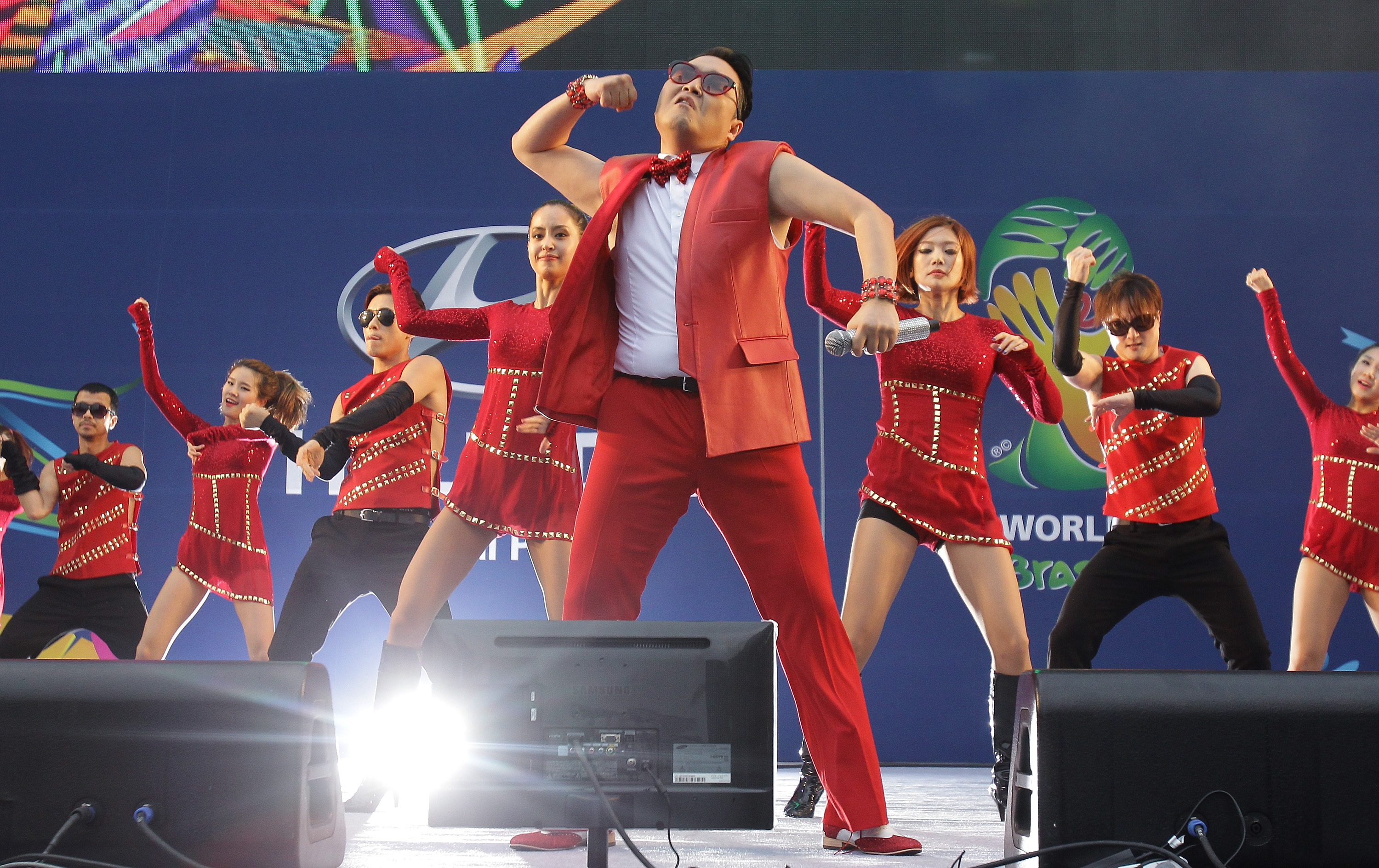 Psy performs - South Korea v Russia - 2014 FIFA World Cup