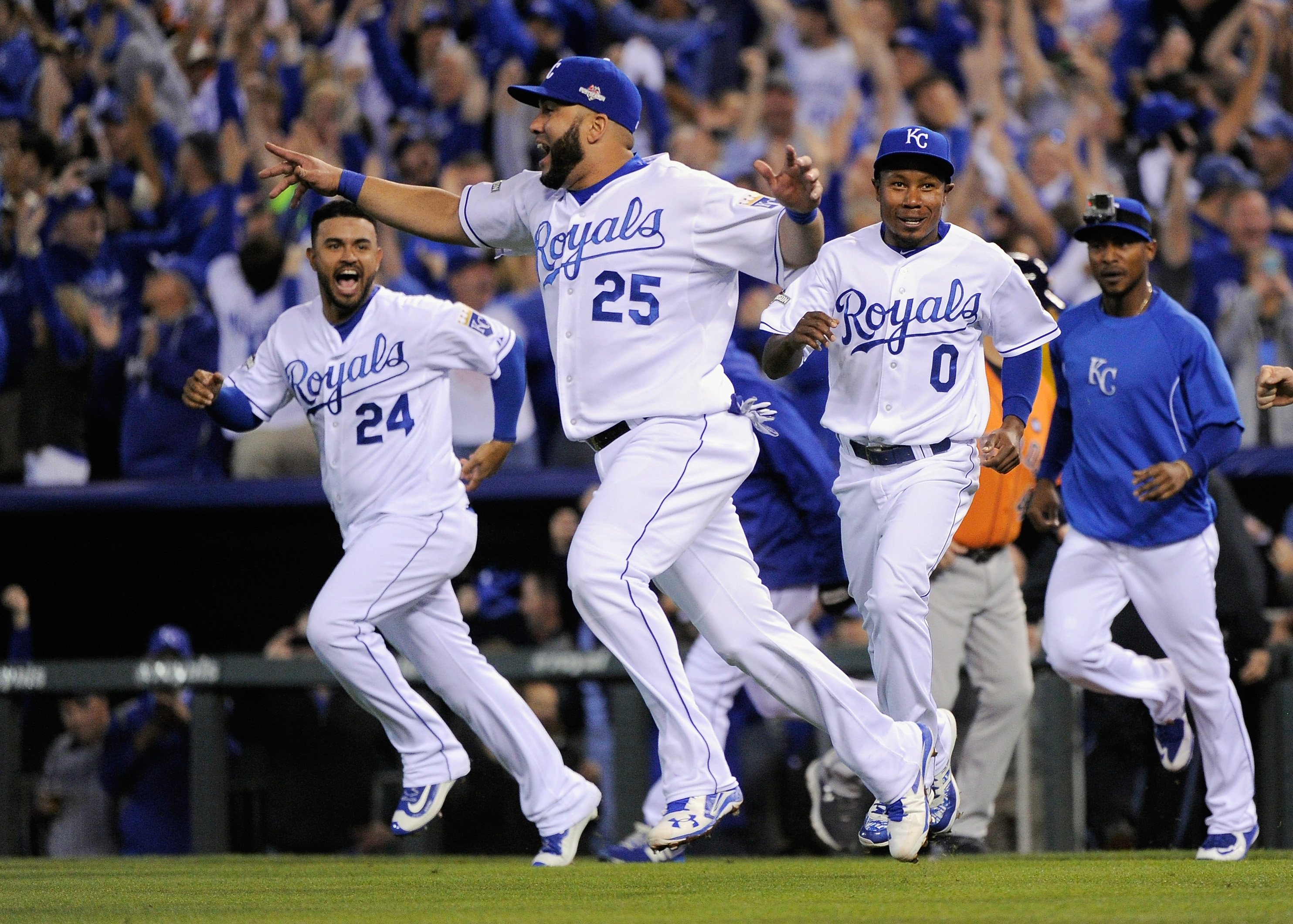 Division Series - Houston Astros v Kansas City Royals - Game Five