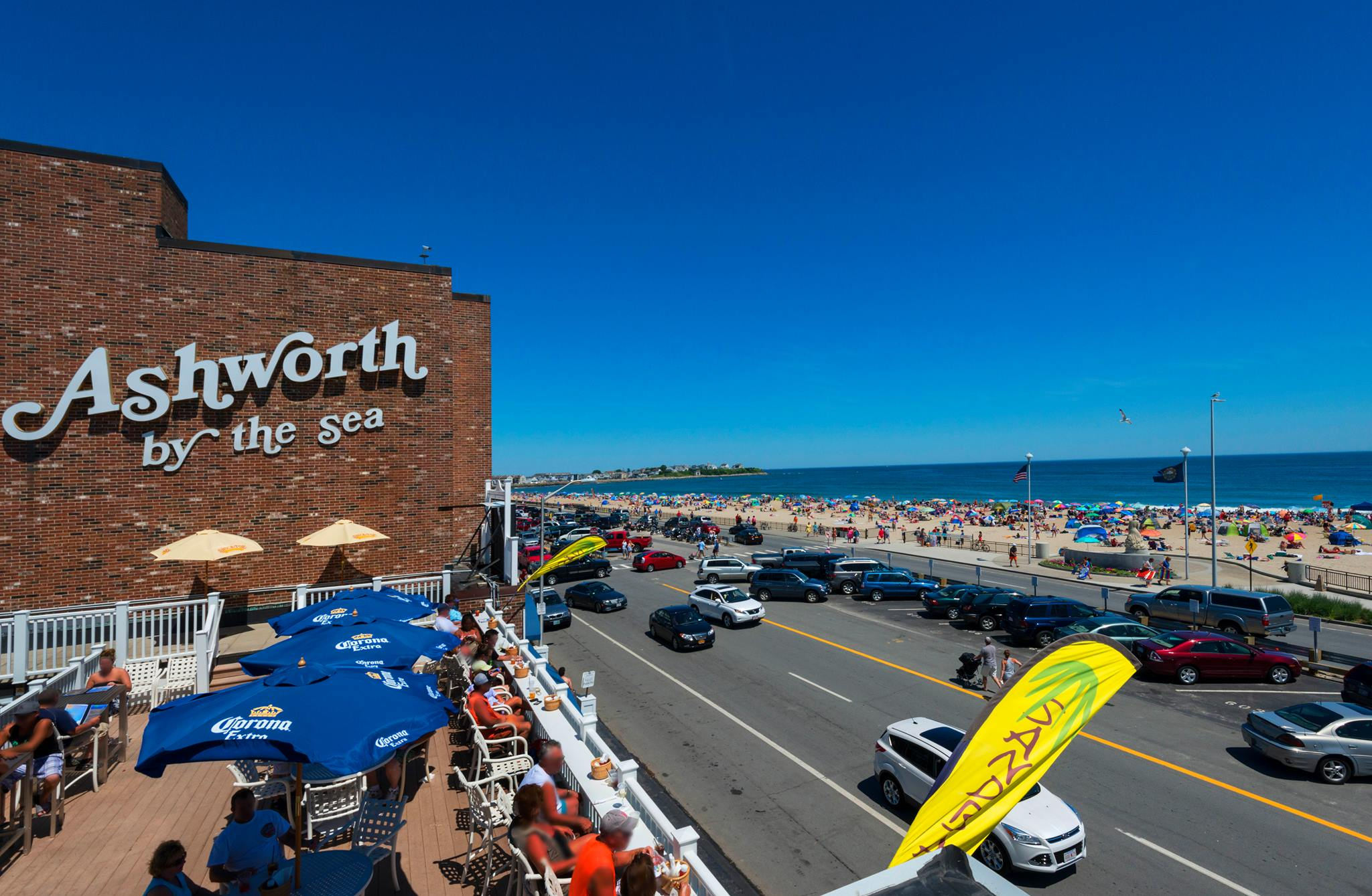 Go to Hampton Beach and Drink at These Bars