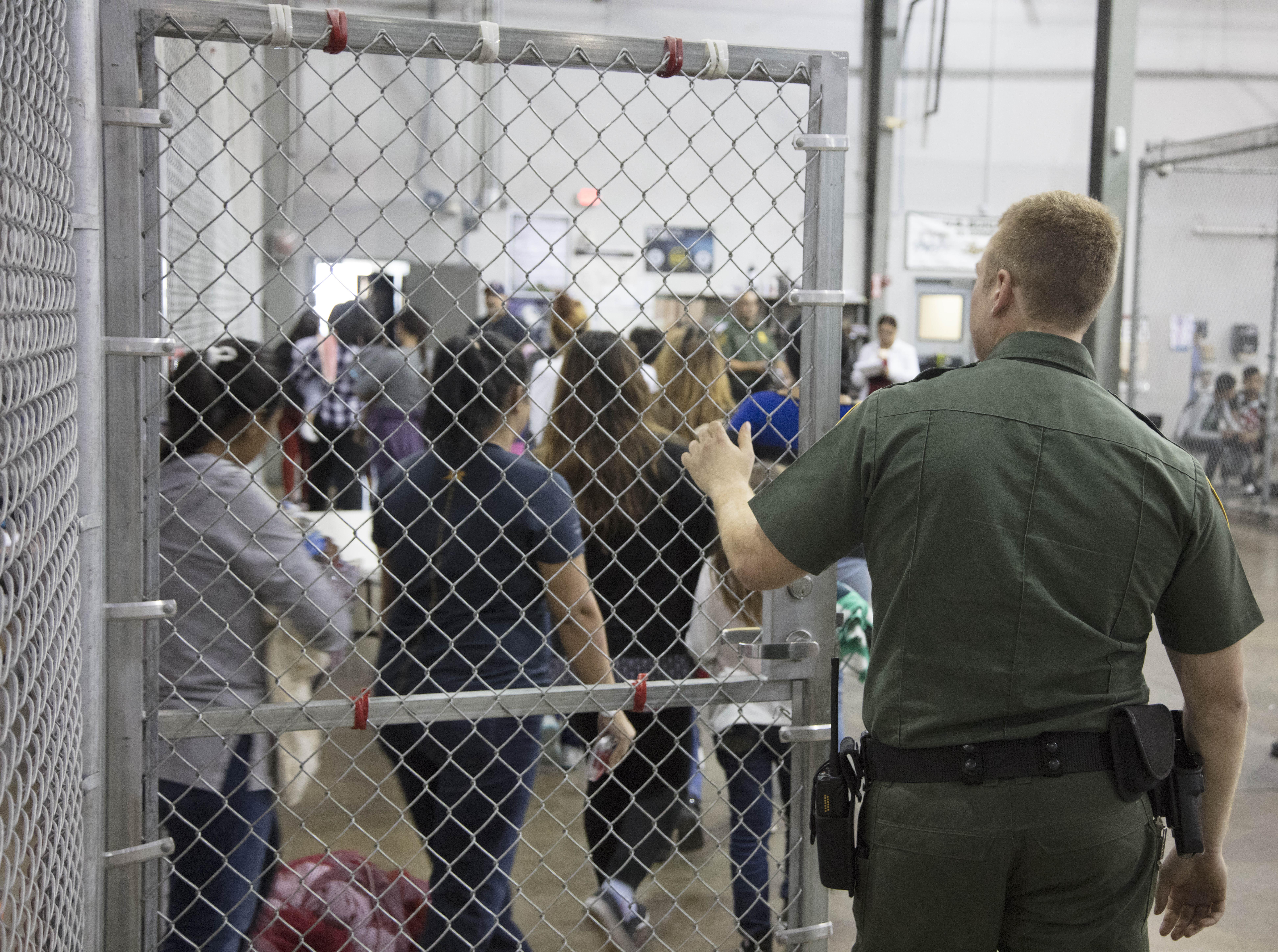 """Sen. Elizabeth Warren describes DHS border facilities: """"cage after cage after cage"""""""