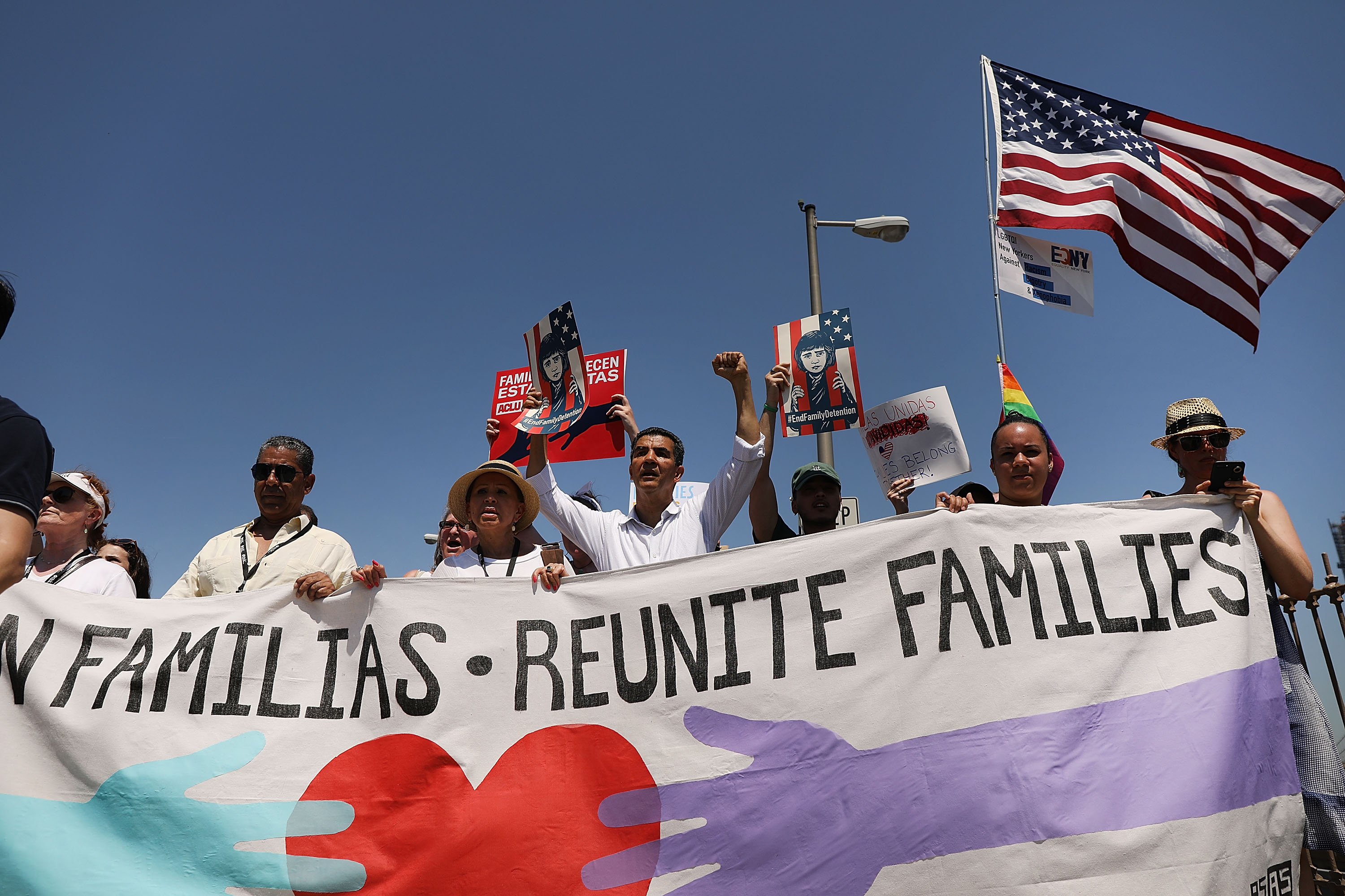 A new court ruling officially opens the door for Trump to separate some migrant families again