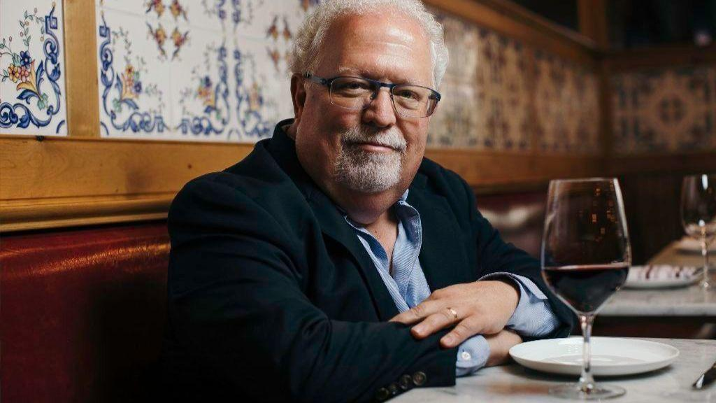 Chicago Tribune Food Critic Reveals Face After 29 Years of Anonymity