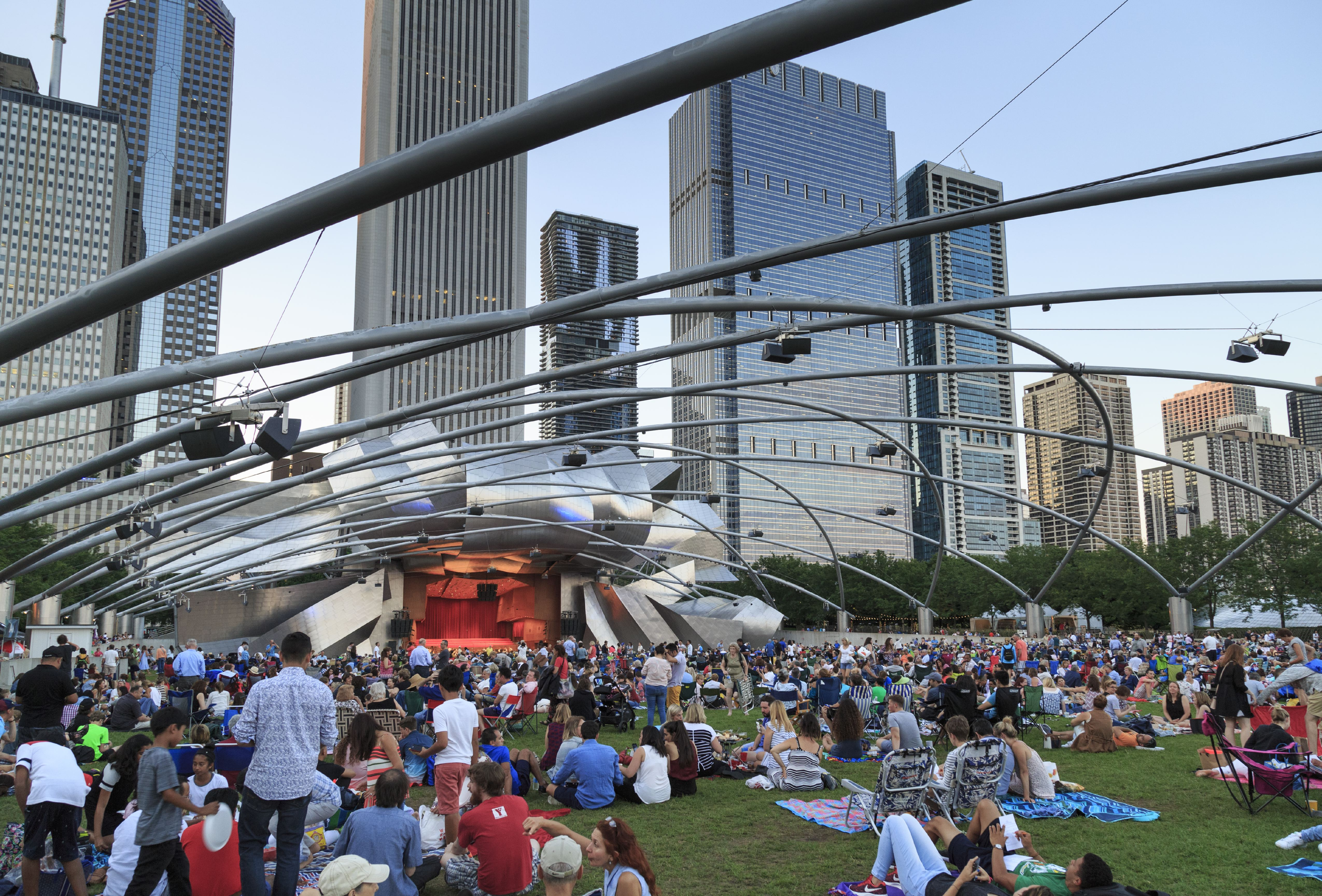 15 places to enjoy Chicago summer outside with friends and