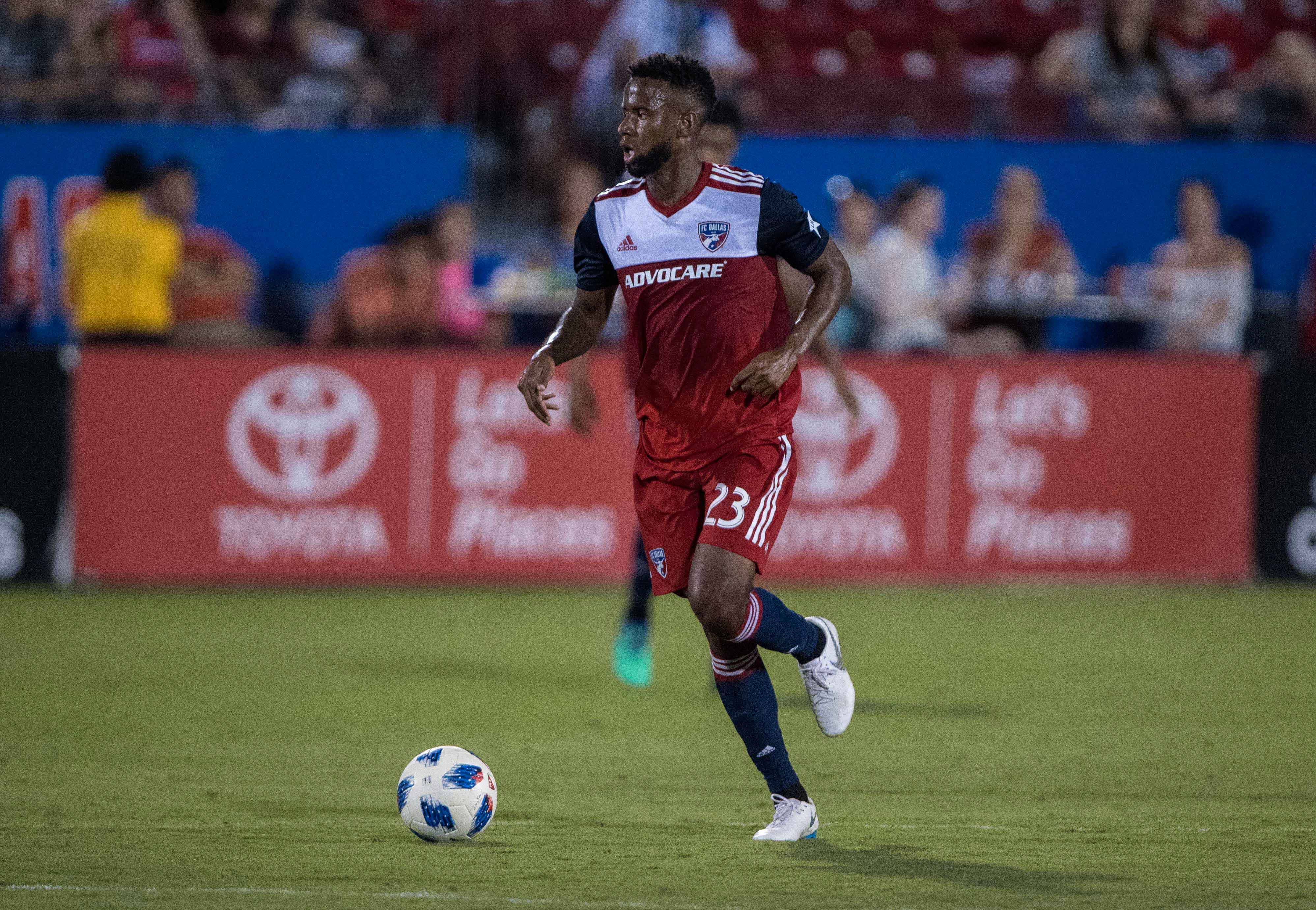 2ca89325d Report  Kellyn Acosta on the move to Colorado