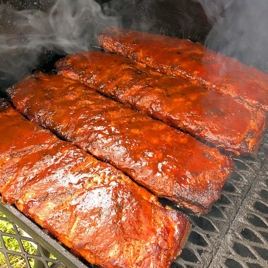 Head to Brick & Mortar on a Sunday to try out Hog Island Smoke Club's barbecue