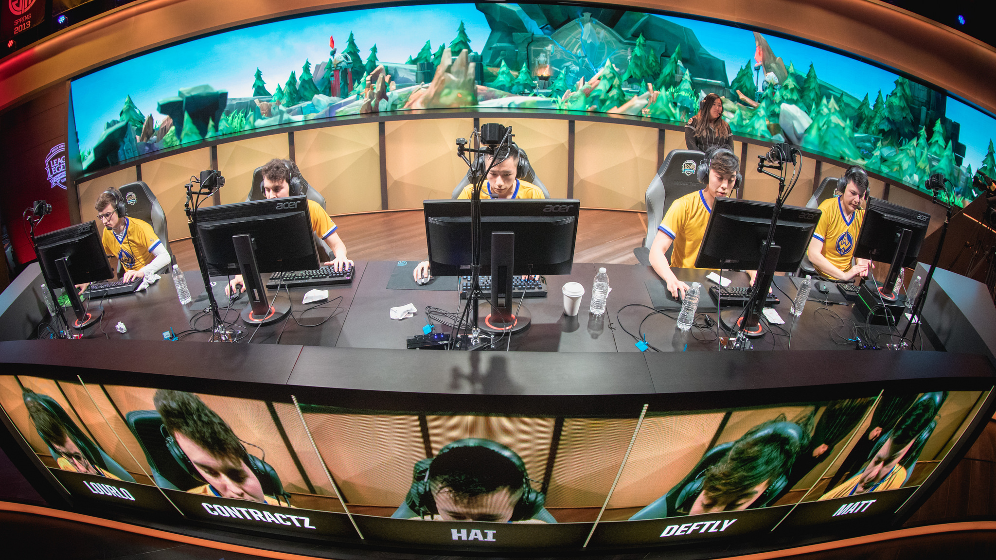 e7876c8abb77c Why competitive gaming is starting to look a lot like professional sports