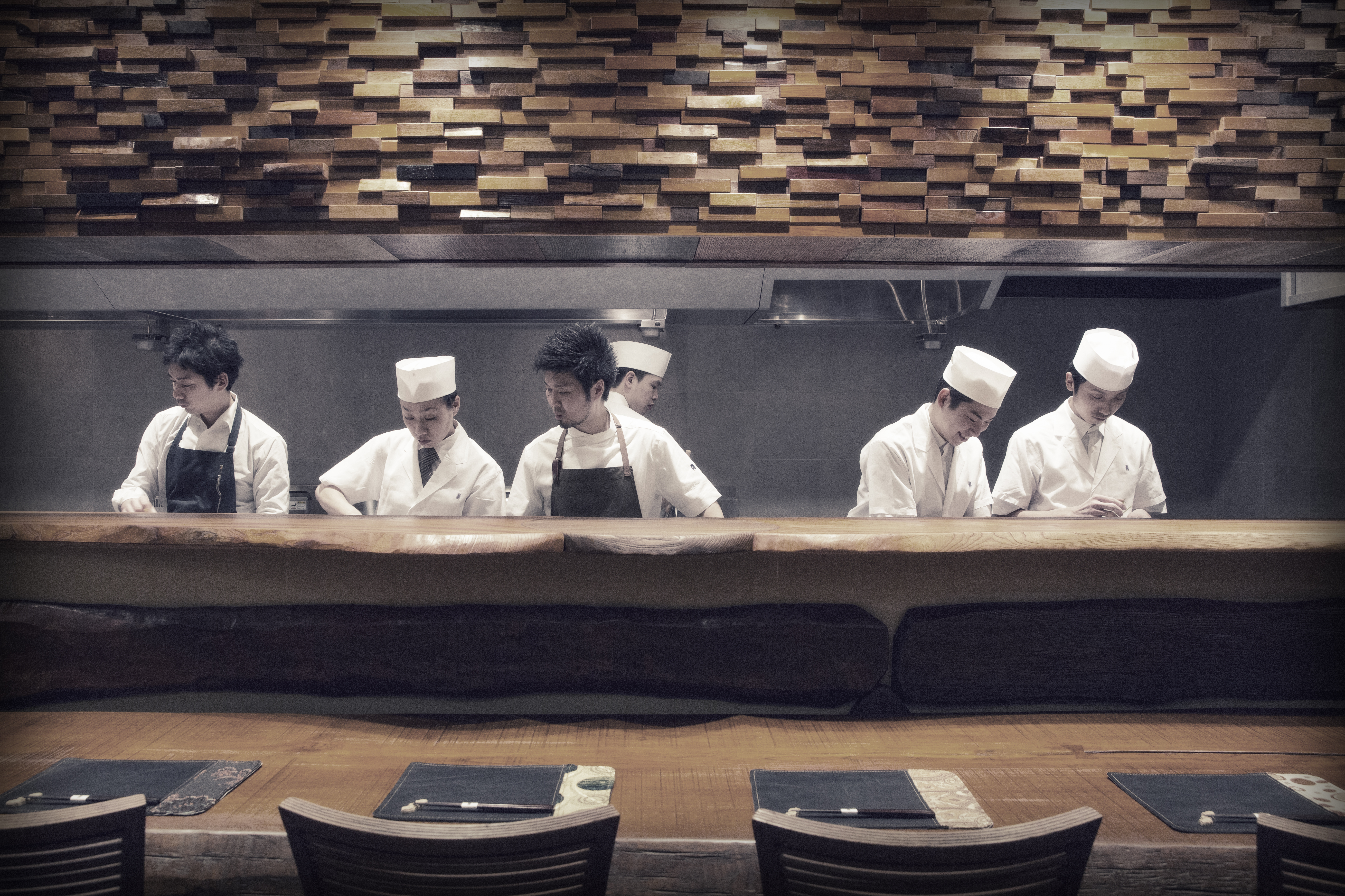 How to Get a Table at Tokyo's Best Restaurants Without a