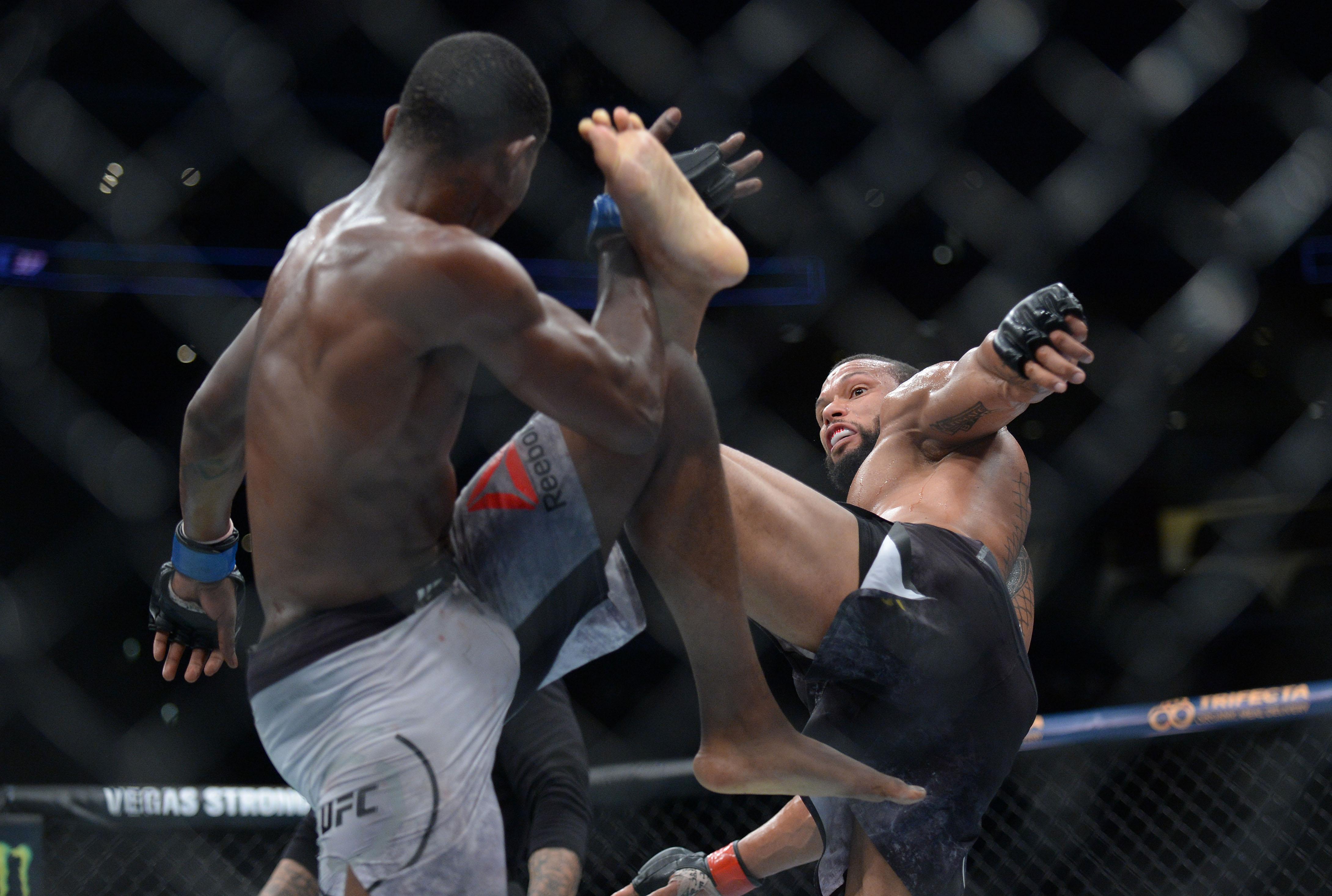 MMA: UFC 227-Santos vs Holland