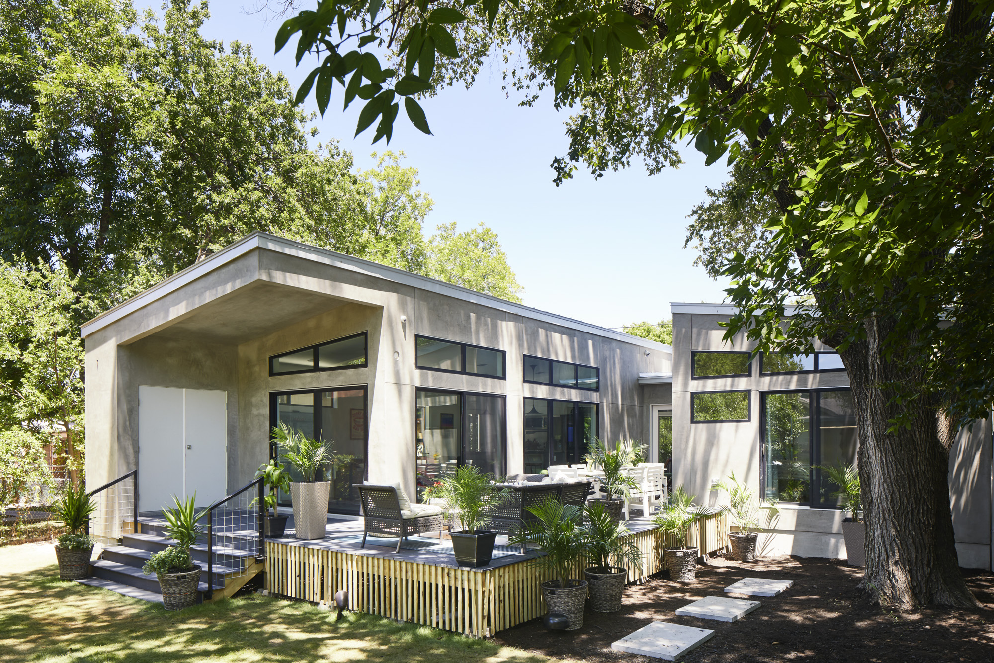 Prefab smart home built from scratch in Texas - Curbed