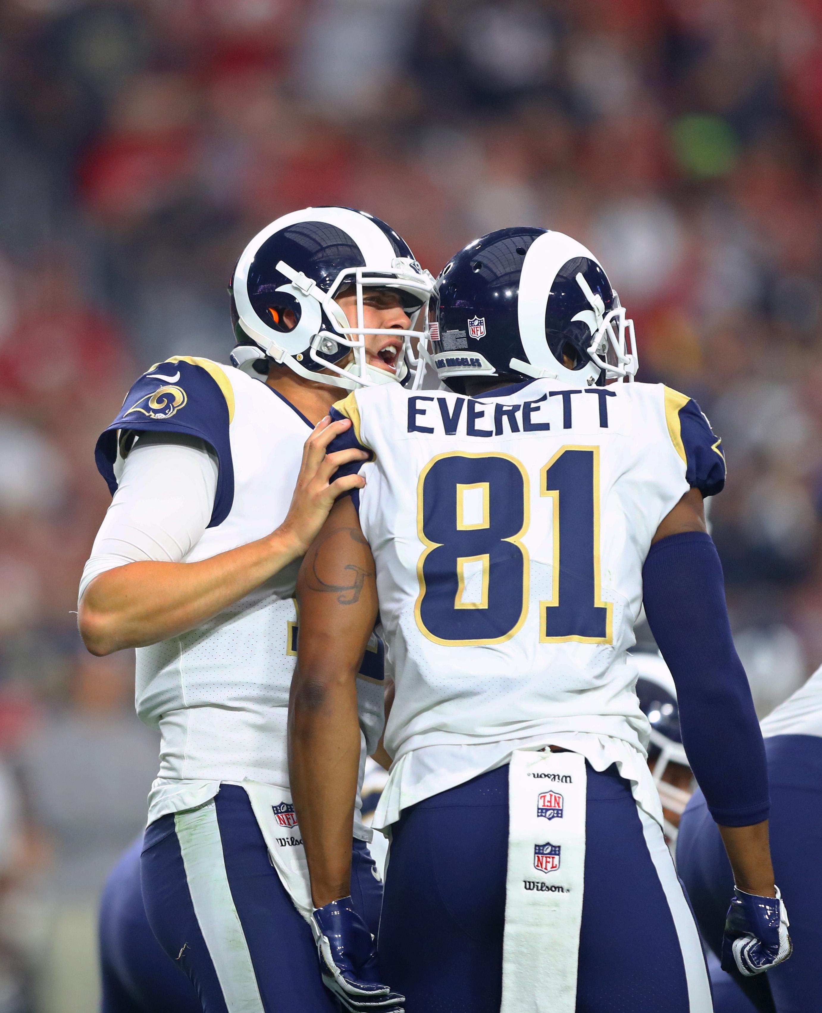 LA Rams QB Jared Goff convenes with TE Gerald Everettduring a Week 13 game against the Arizona Cardinals, December 3, 2017.