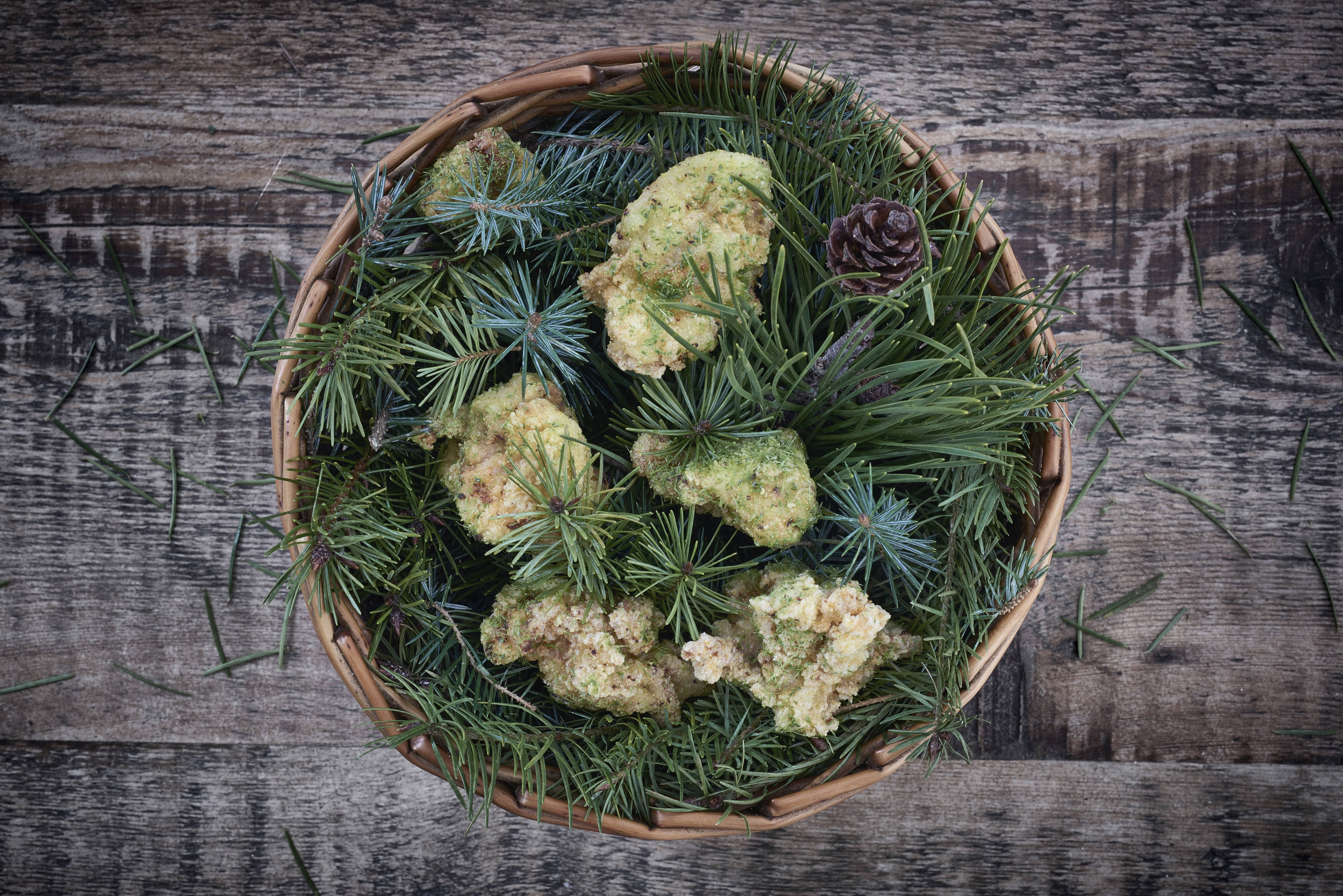 Pine salt buttermilk fried chicken at Michelin-starred The Clove Club in Shoreditch, that forms part of the best 24 hour restaurant travel itinerary for London — where to eat with one day in the city