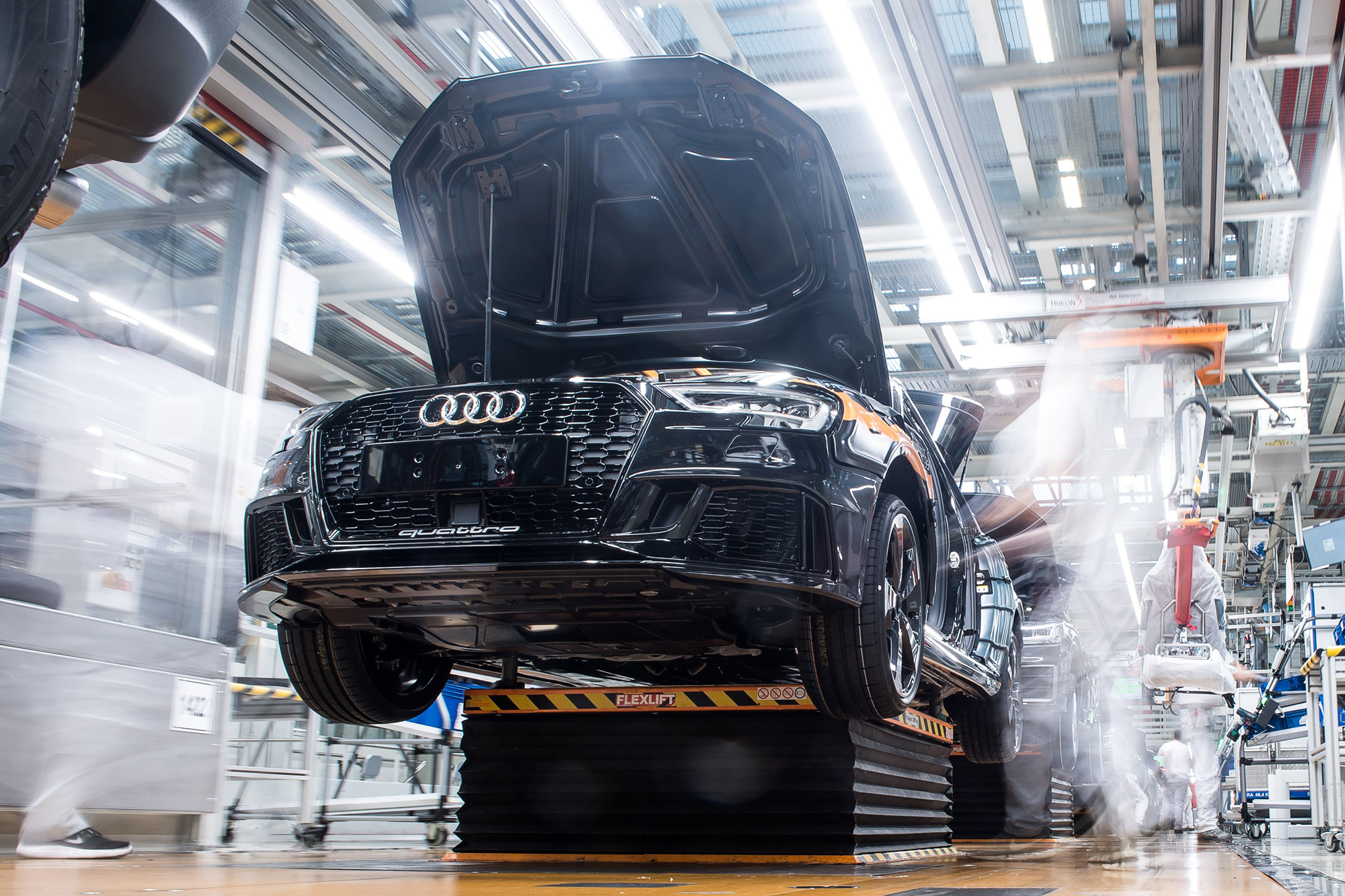 Germany's car industry can't build its own battery cells