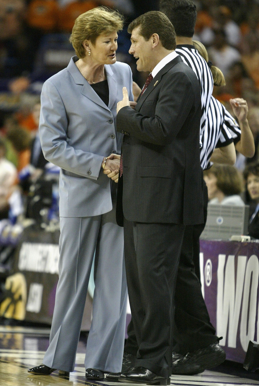 2004 NCAA Women's National Championship: Tennessee v UCONN