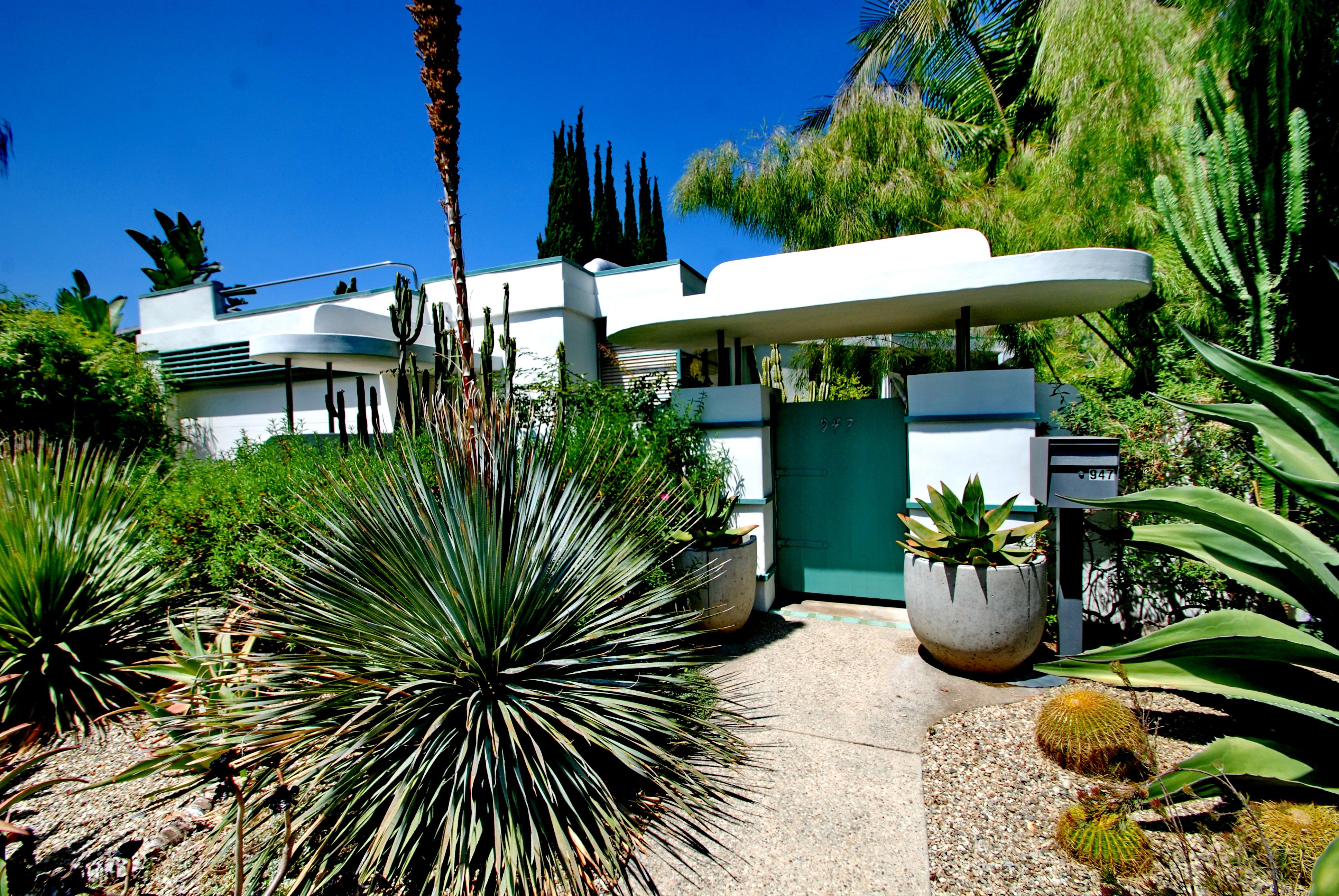 1930s Streamline Moderne designed by William Kesling safe from demolition—for now