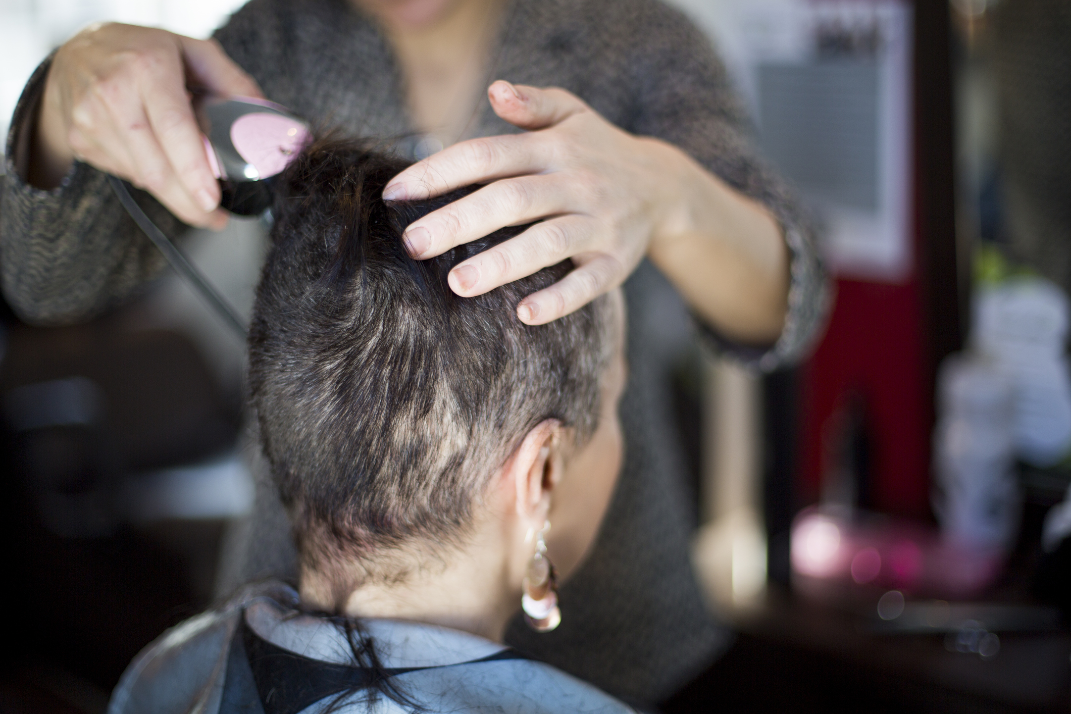 Navigating the Intensely Gendered World of Hair Salons When You're Queer
