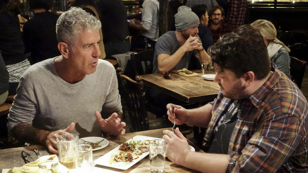 Anthony Bourdain in a scene from the parts unknown chicago episode