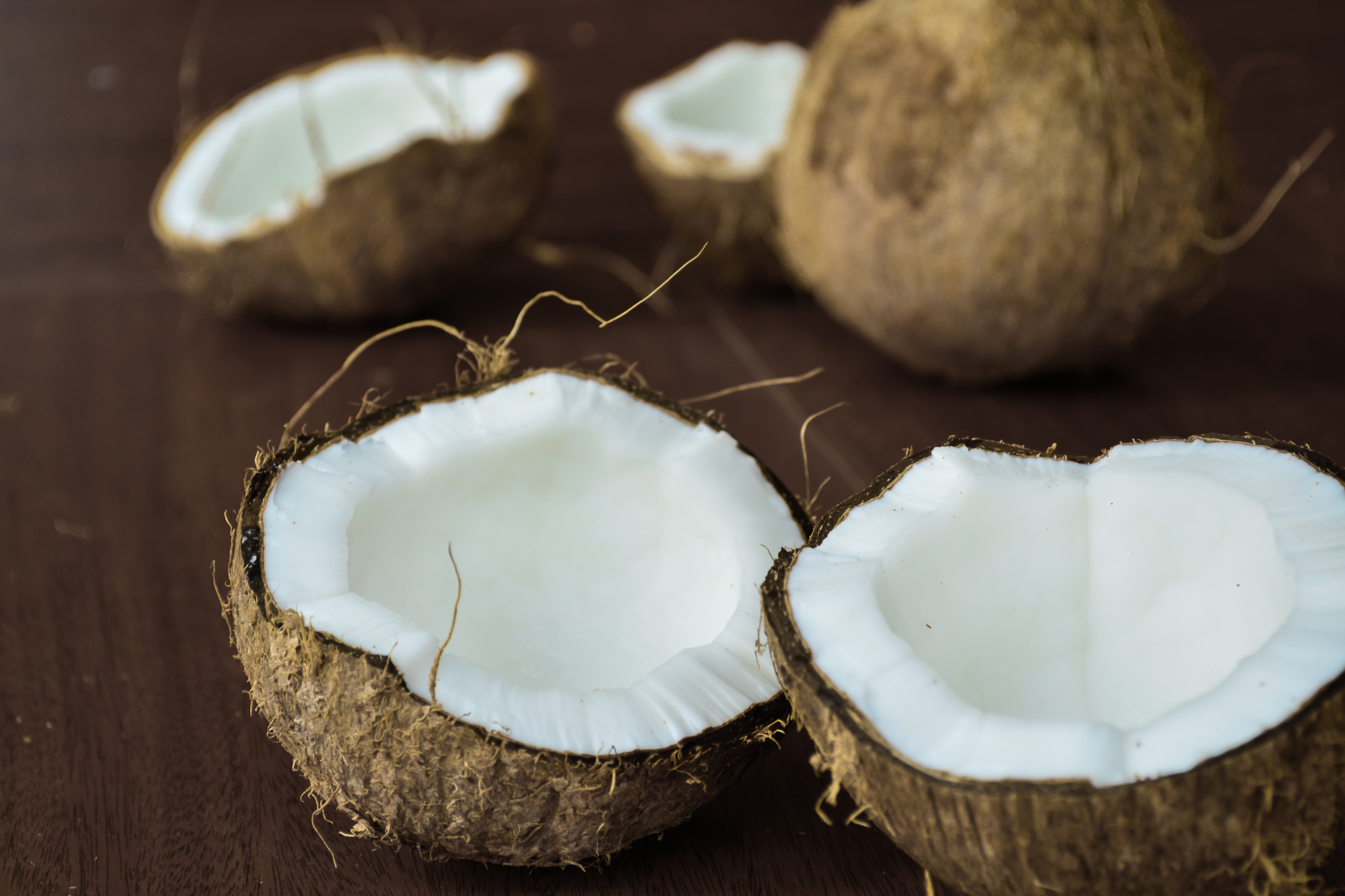 """How coconut oil went from health food to """"poison"""""""