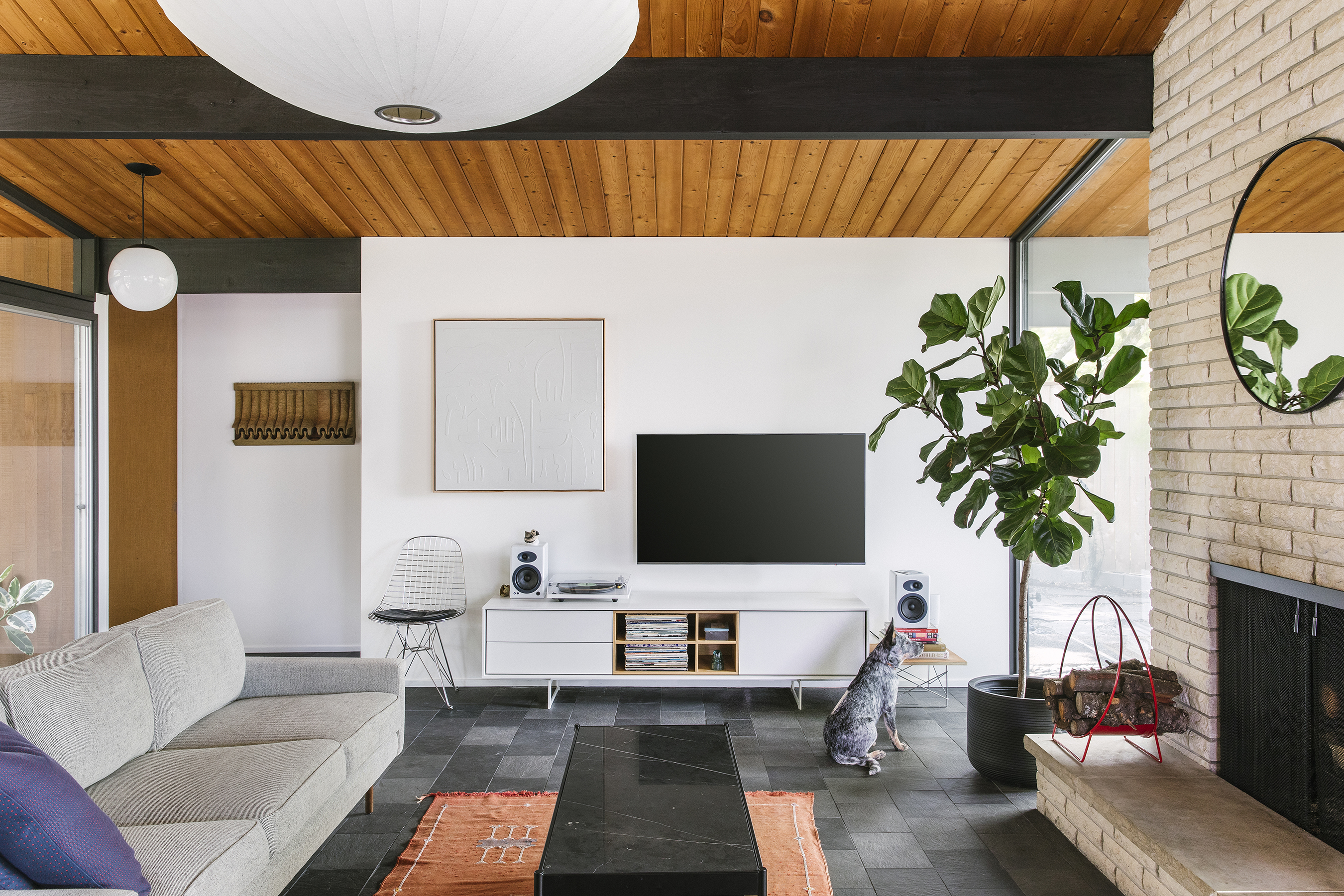 a midcentury house by robert rummer becomes a couple s dream home