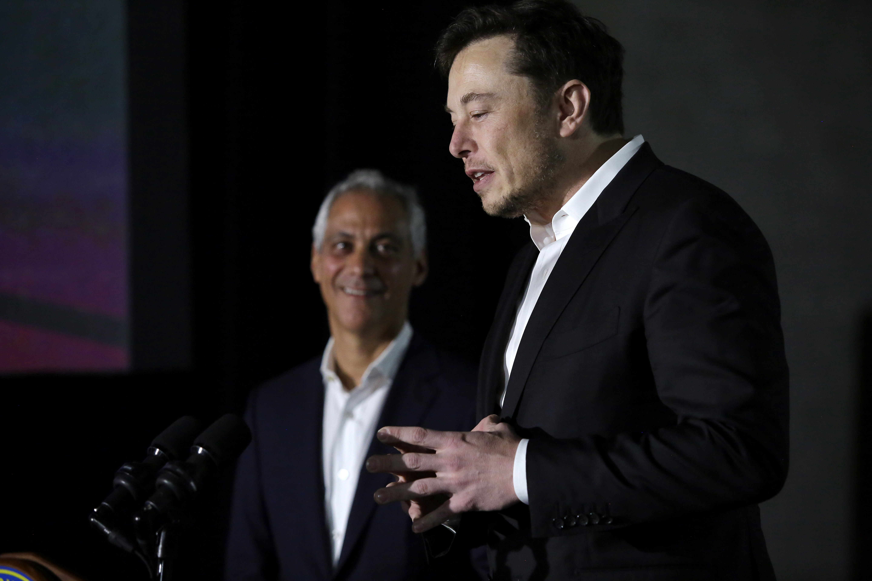 Chicago Mayor Rahm Emanuel, left, and Tesla CEO Elon Musk