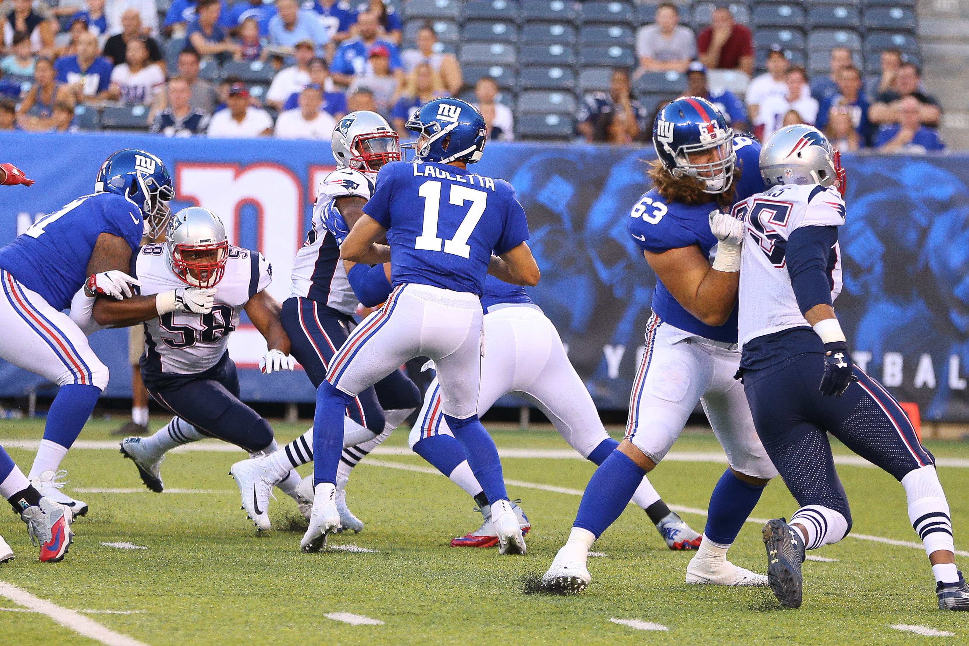 NFL: New England Patriots at New York Giants