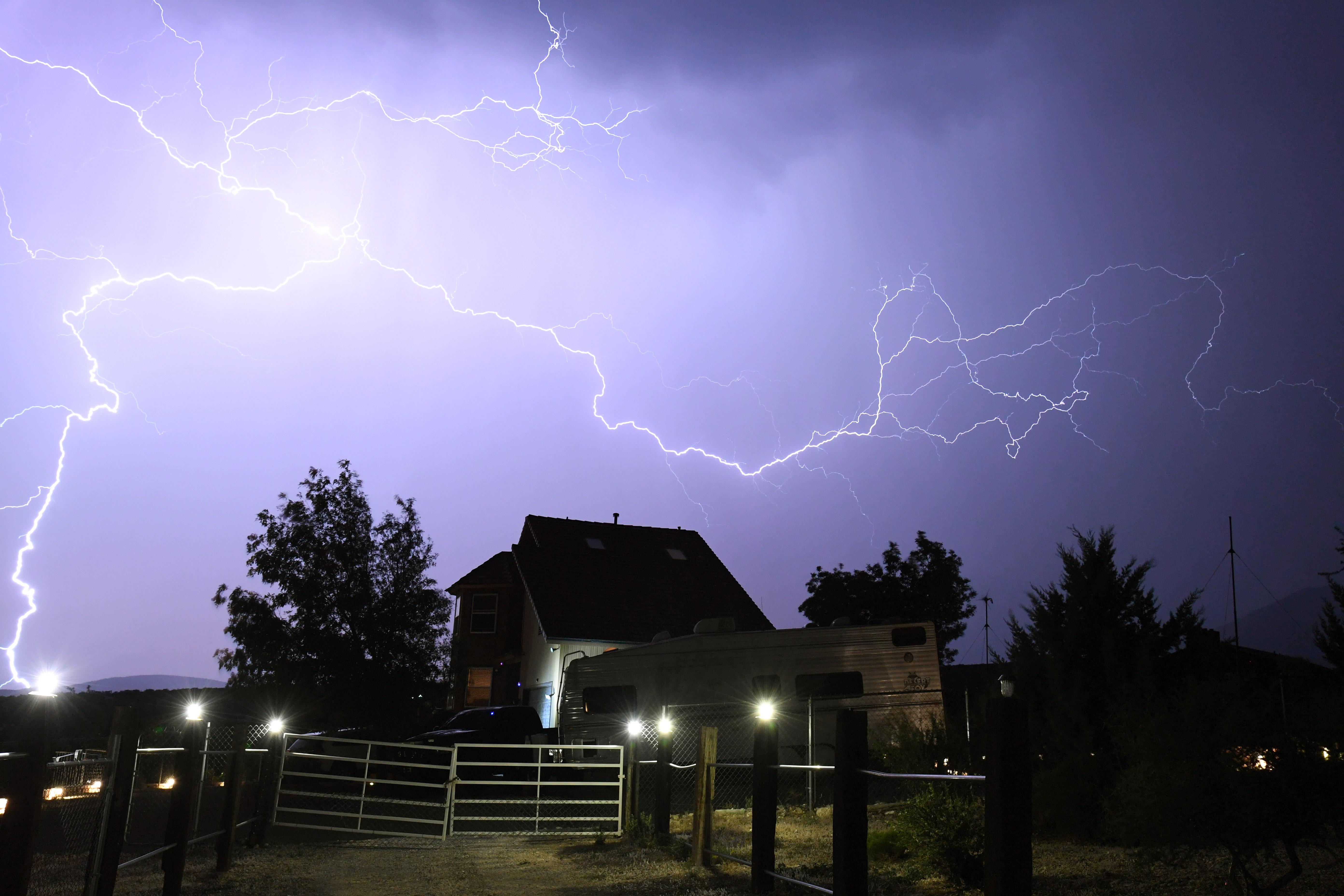 Monsoon Thunderstorms Roll Through Nevada