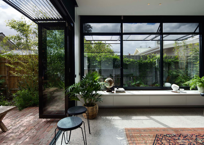 Aussie Architect Adds A Minimalist Garden Room to His Mother's House and It's the Sweetest Thing