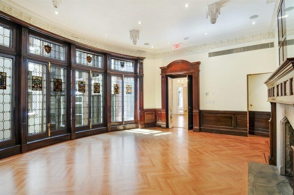 Enormous Lenox Hill Mansion Drops Below $40 Million