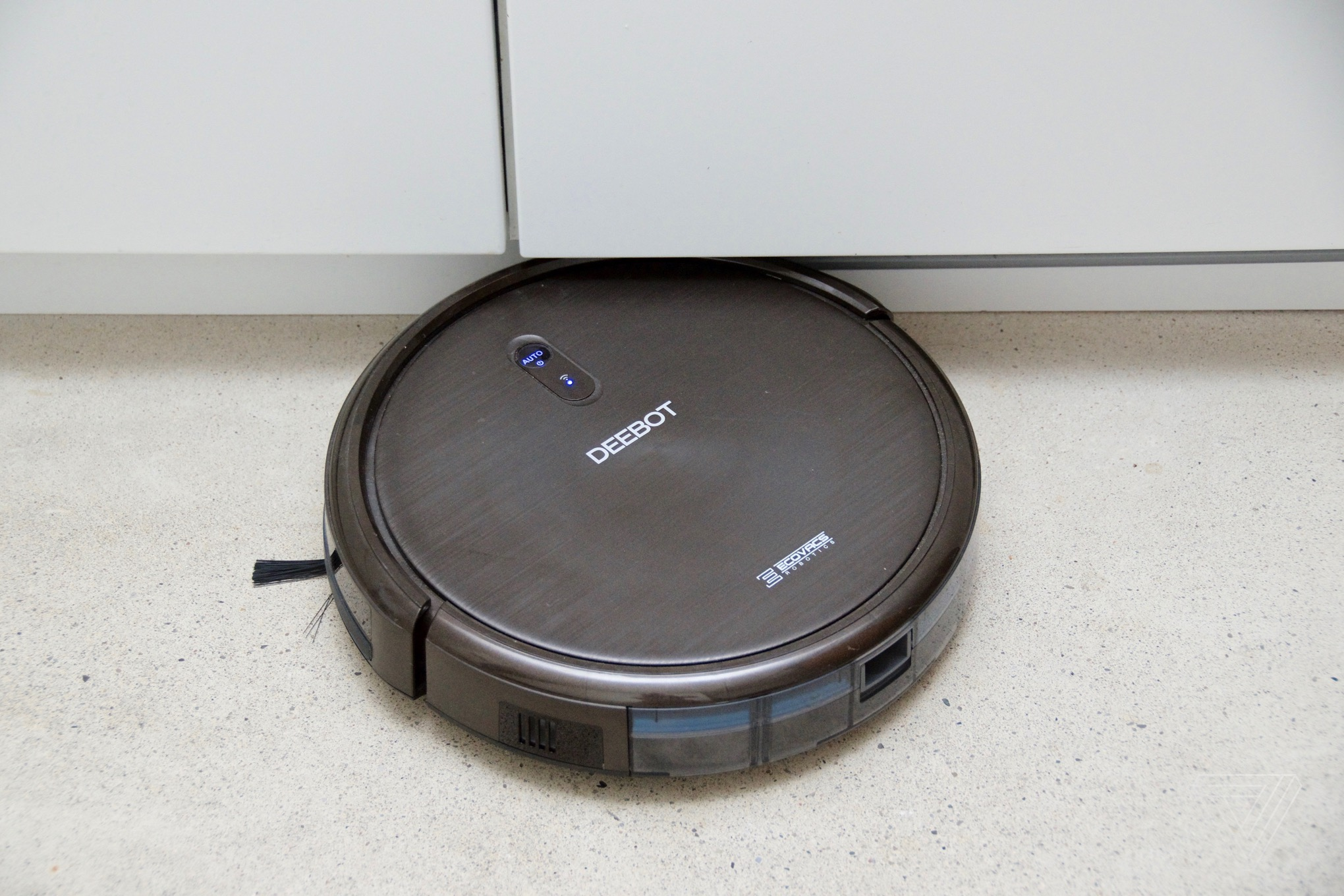Ecovacs Deebot N79 >> Deebot N79s Robotic Vacuum Review Why Pay More The Verge