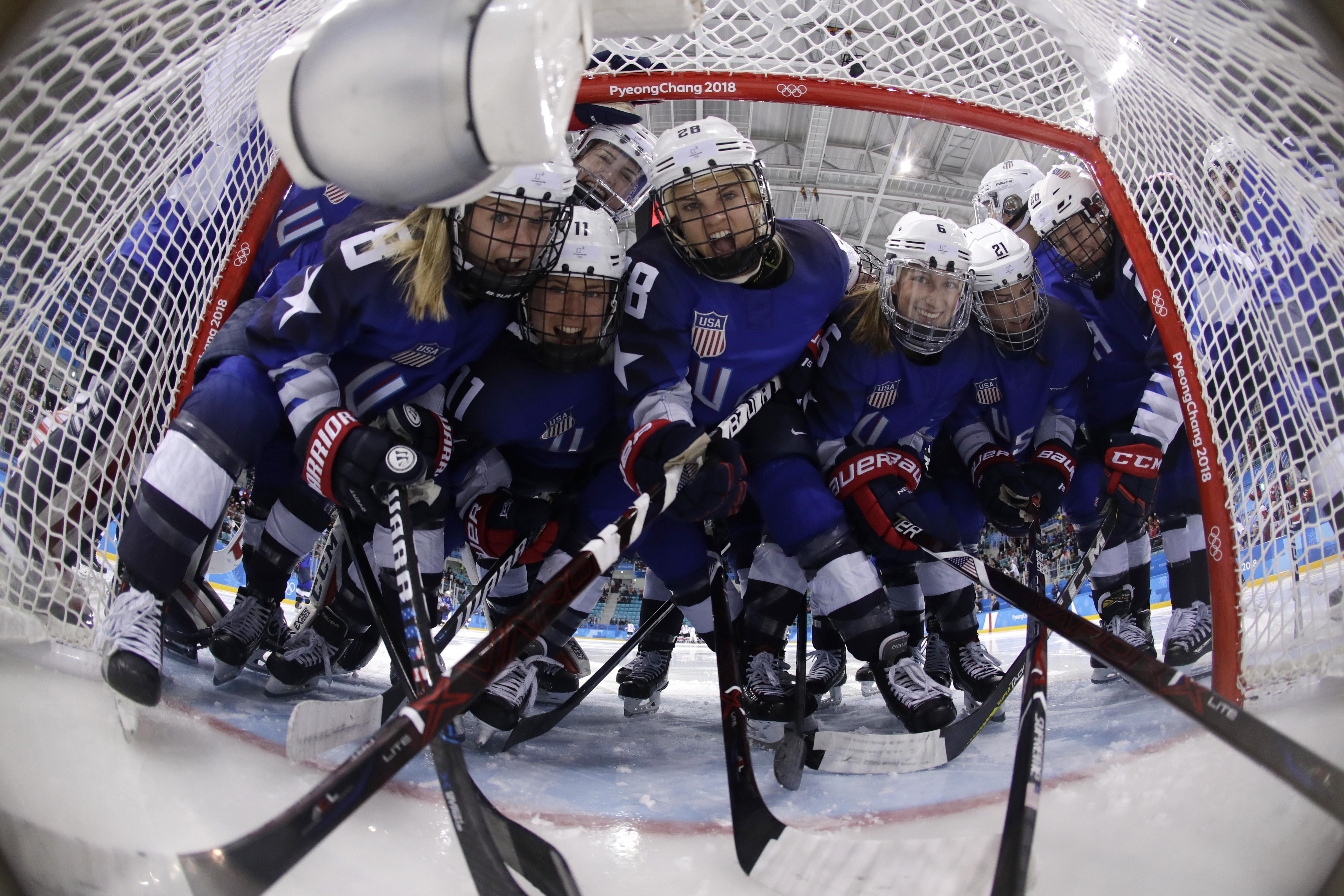Ice Hoceky - Winter Olympics Day 13