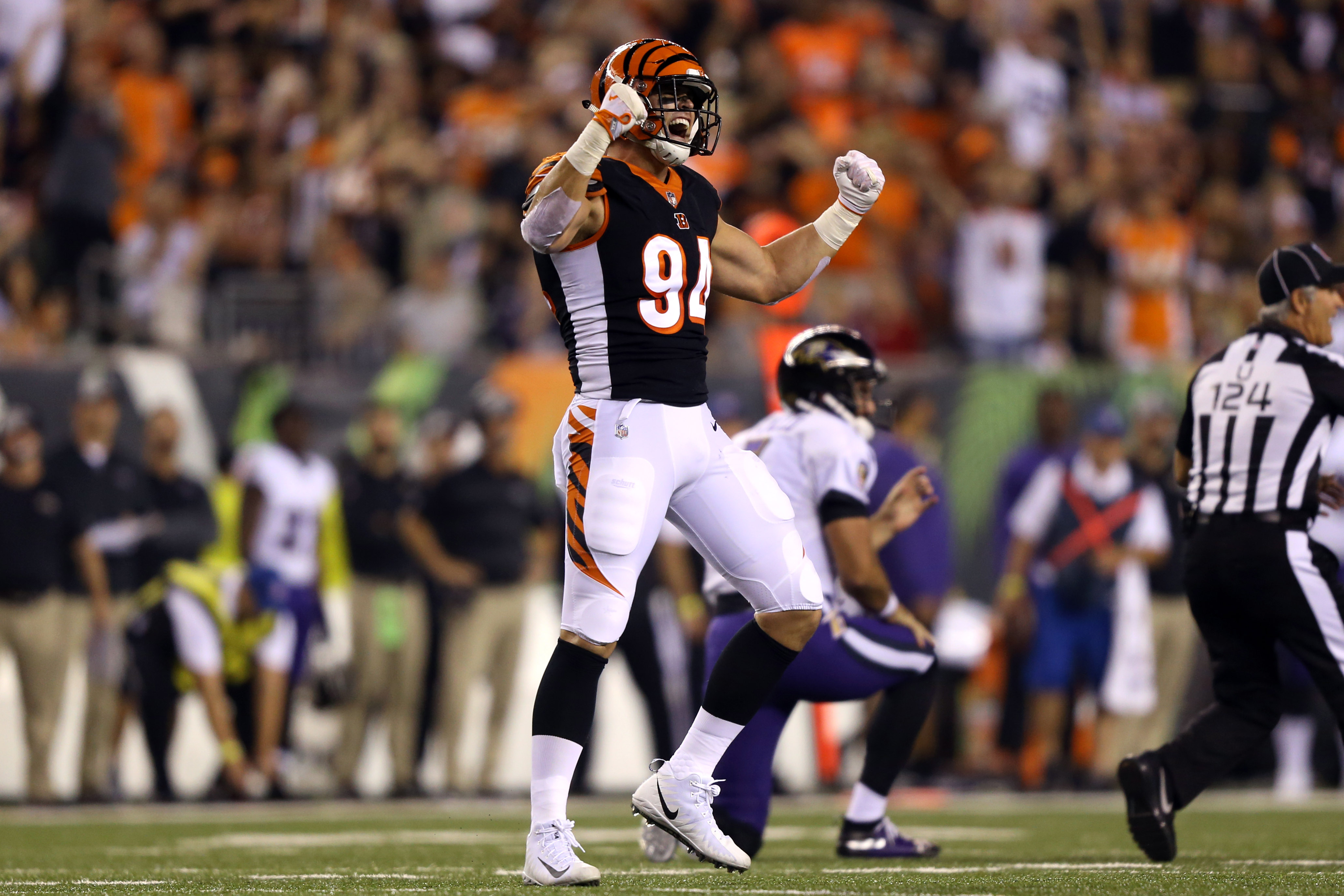 422ba75b Bengals DE Sam Hubbard played a game to remember on Thursday Night ...